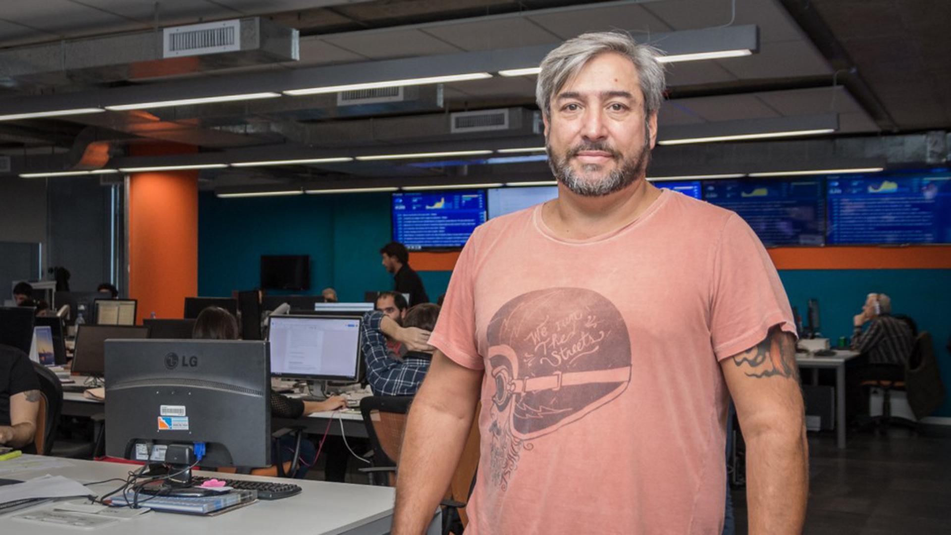Diego Ebertz, uno de los ganadores de la Tv LED 65'' conoció la redacción de Infobae.