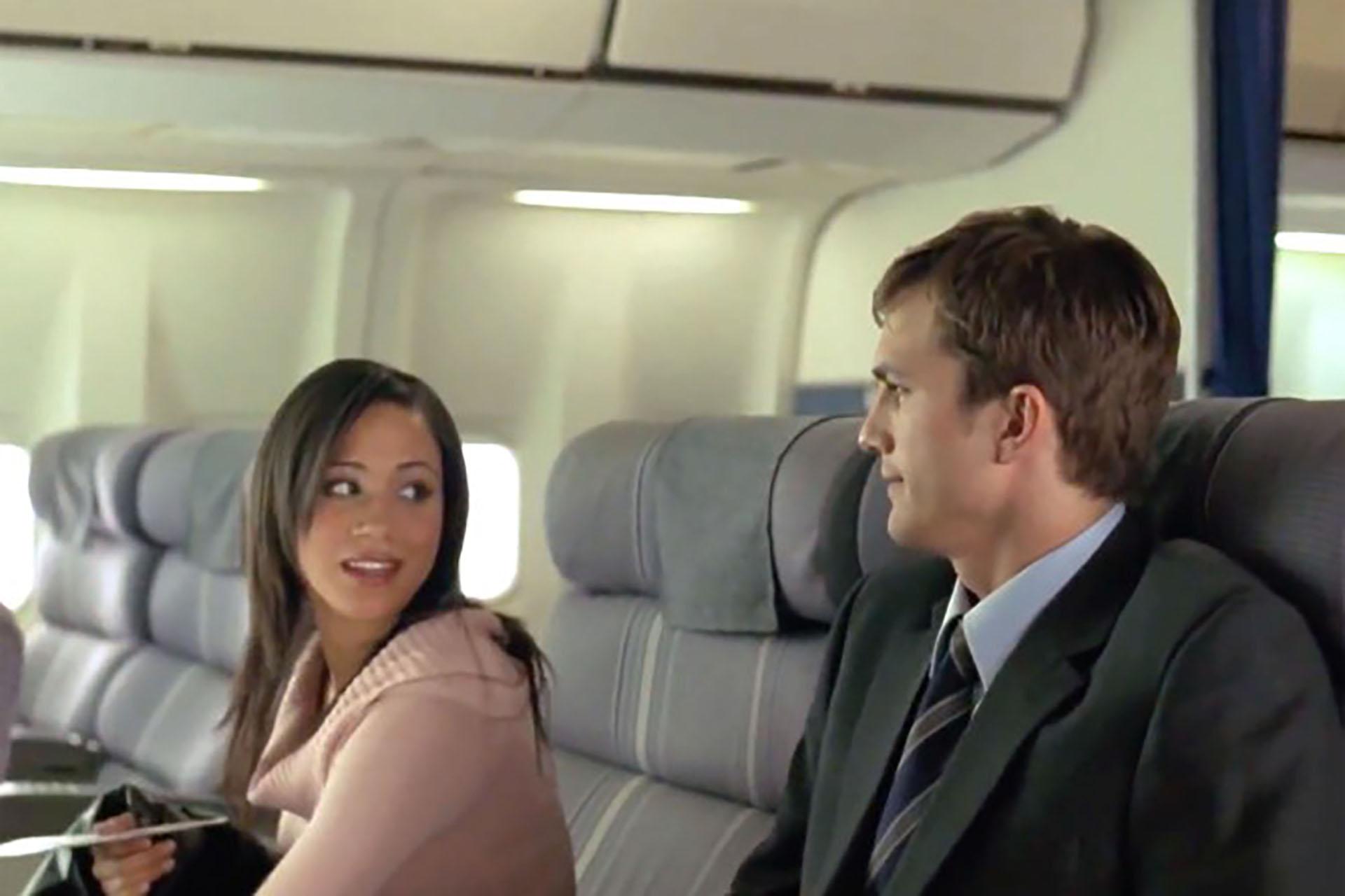 """En la comedia romántica de 2005 """"A Lot Like Love"""" compartió una escena en un avión con Ashton Kutcher, y su personaje aparece en los créditos finales como """"Hot girl"""" (Chica sexy)"""