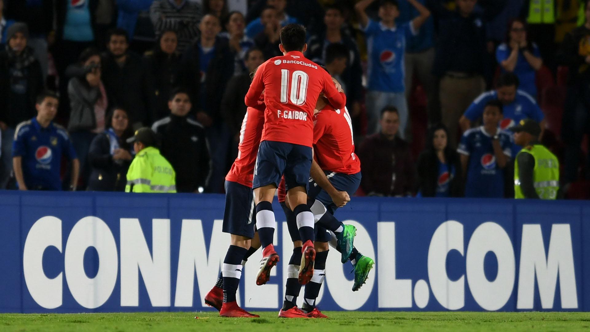 Independiente y su celebración en la cancha: los hinchas sufrieron afuera(AFP)