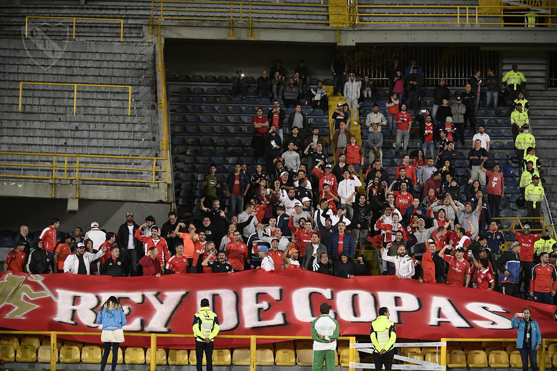 La gente de Independiente en El Campín de Bogotá