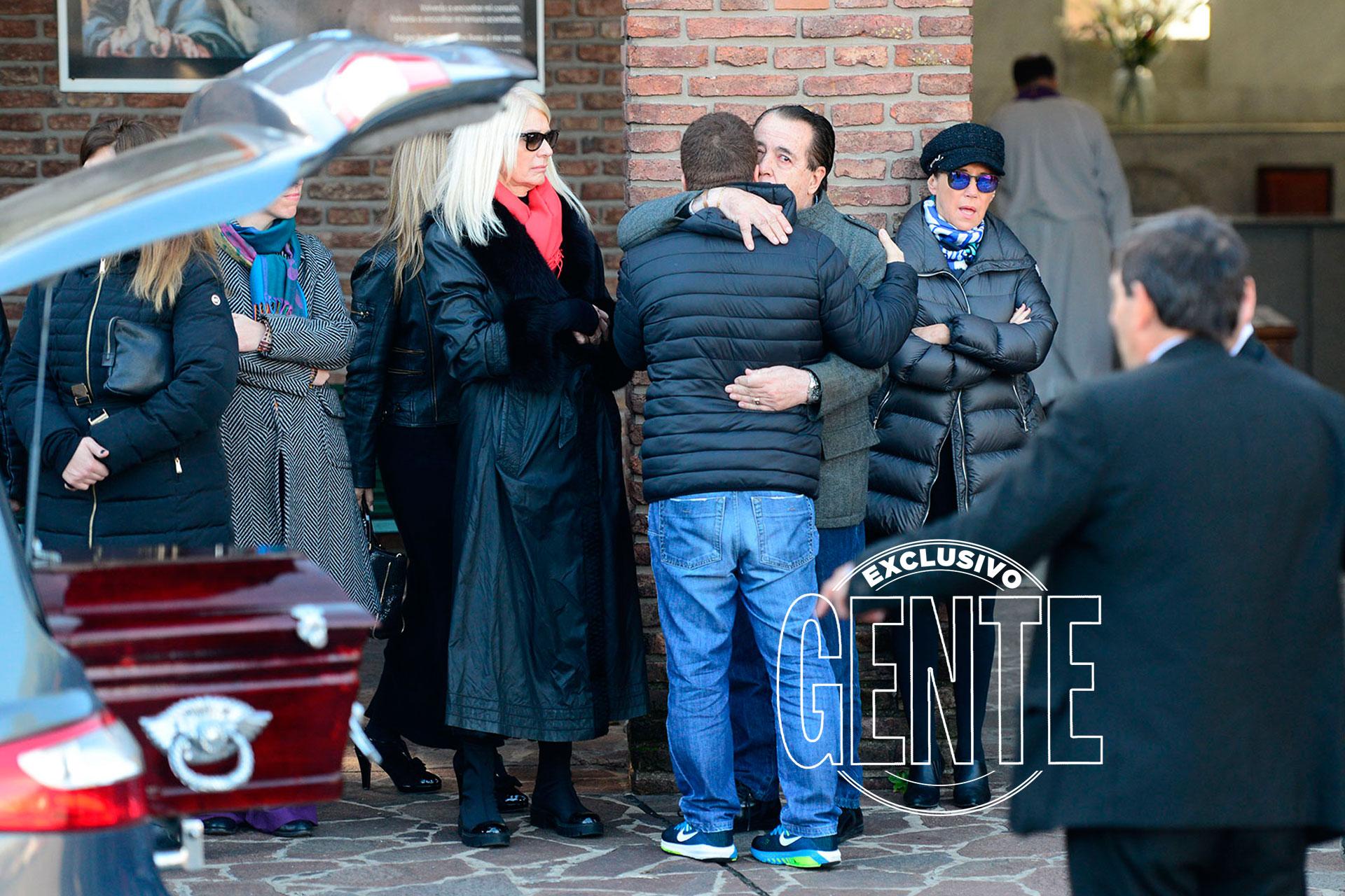 Dolor en el último adiós a Carlos Di Domenico en el cementerio de la Chacarita