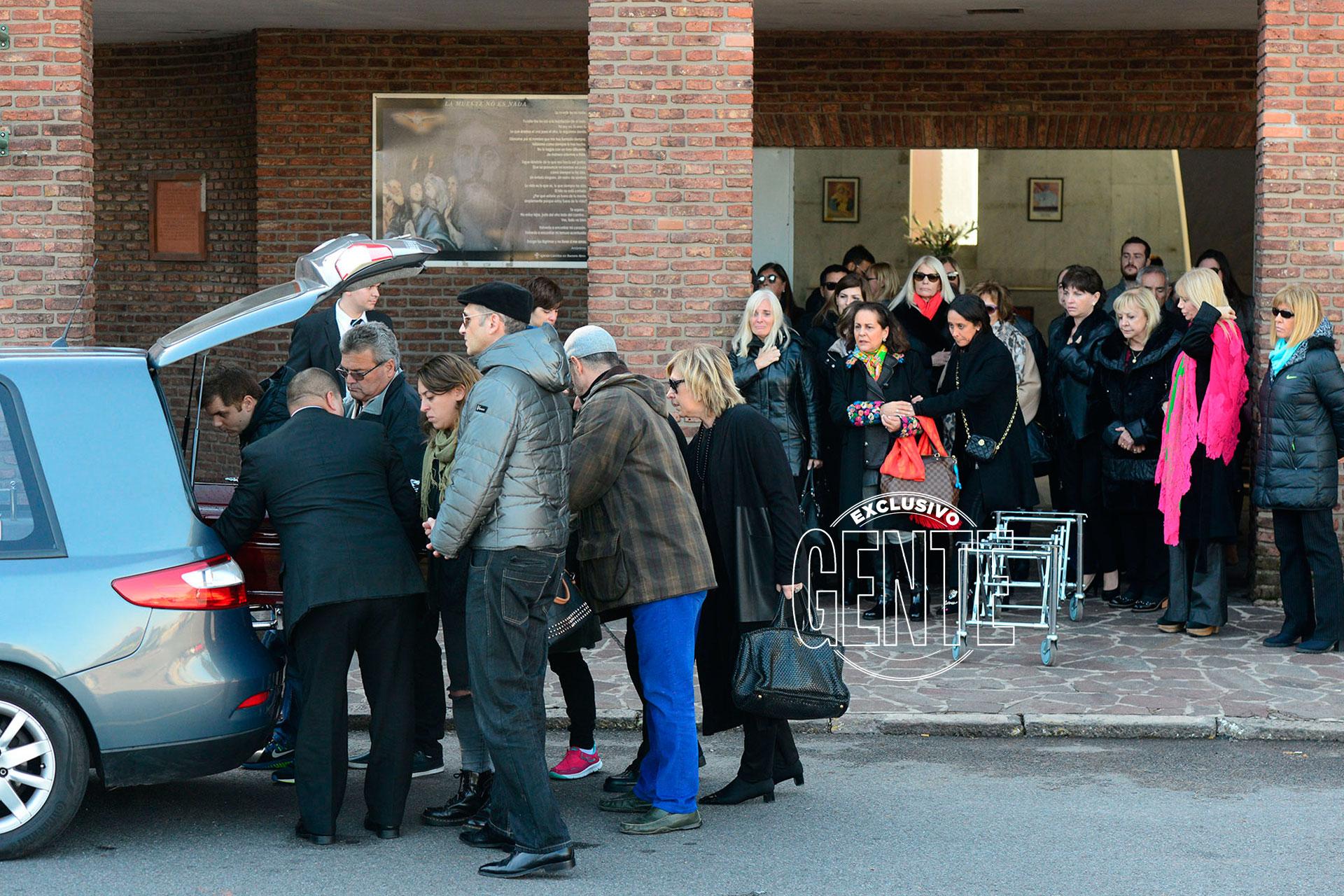 Familiares, amigos y colegas de Di Domenico le dieron el último adiós