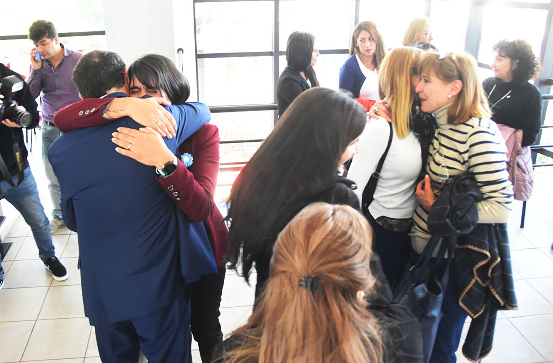 """Los empleados del juzgado federal de Santa Rosa tras la condena el año pasado (Fotografía """"El Diario de La Pampa"""")"""