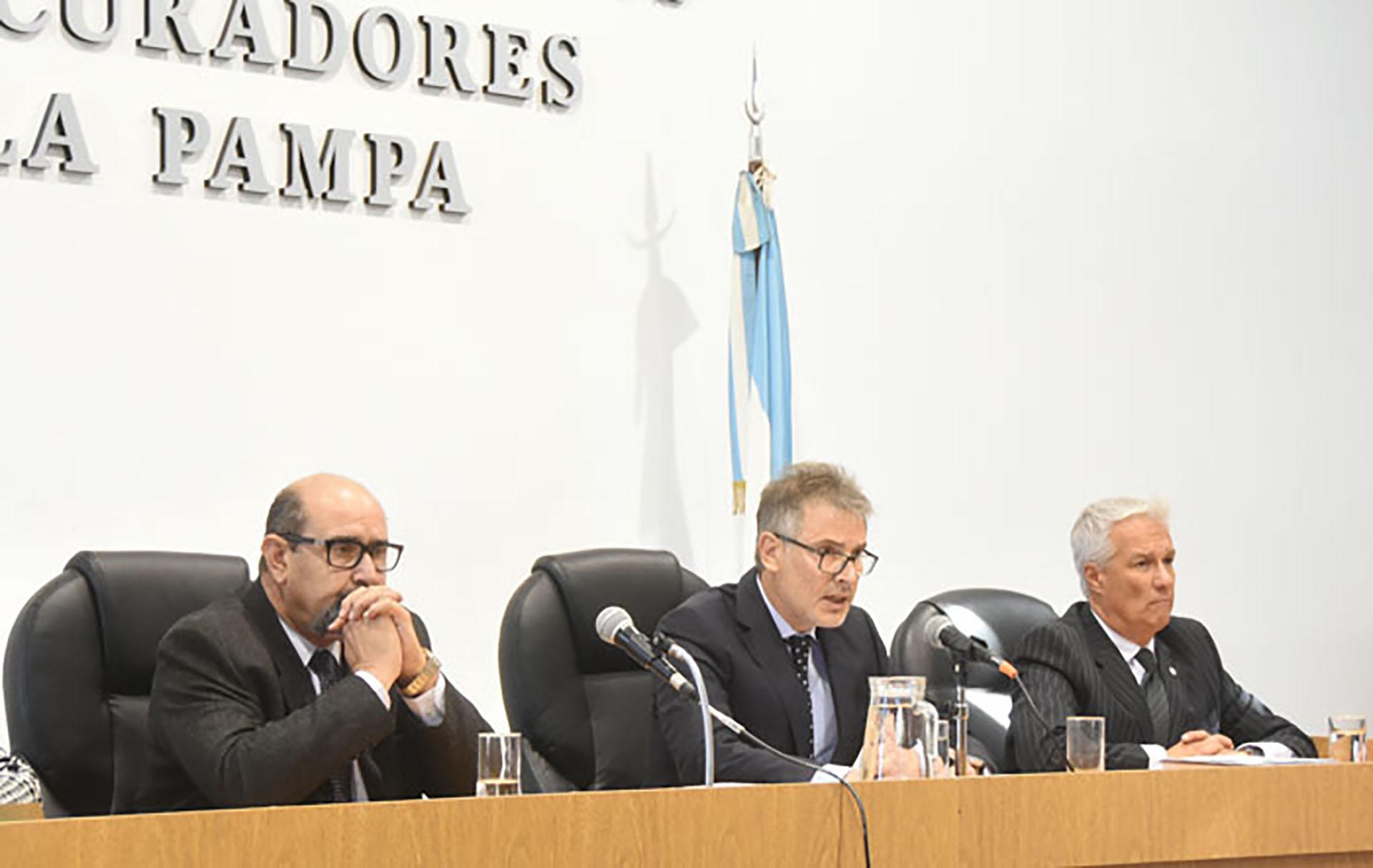 """El tribunal oral que condenó al ex- juez y ordenó su detención (Fotografía """"El Diario de La Pampa"""")"""