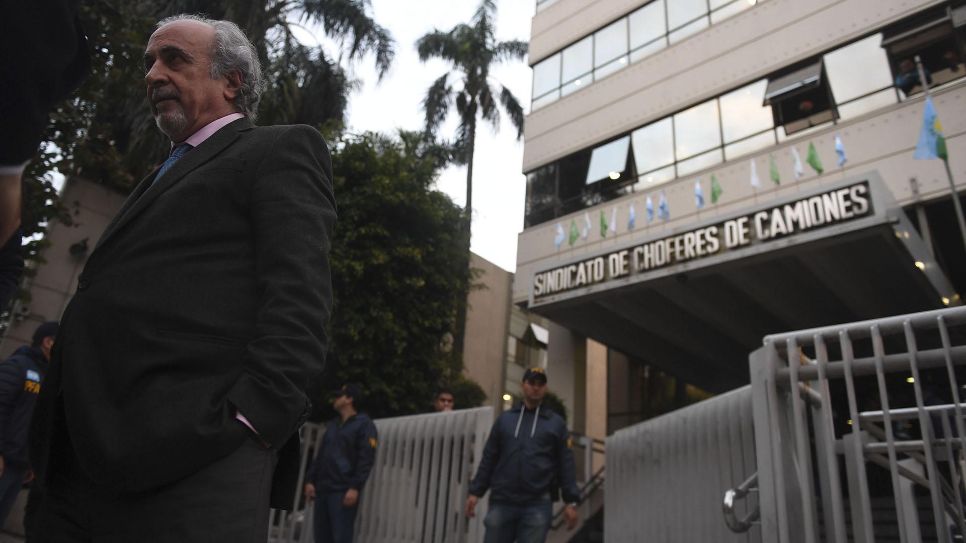 El abogado de Hugo Moyano, Daniel Llermanos (Télam)