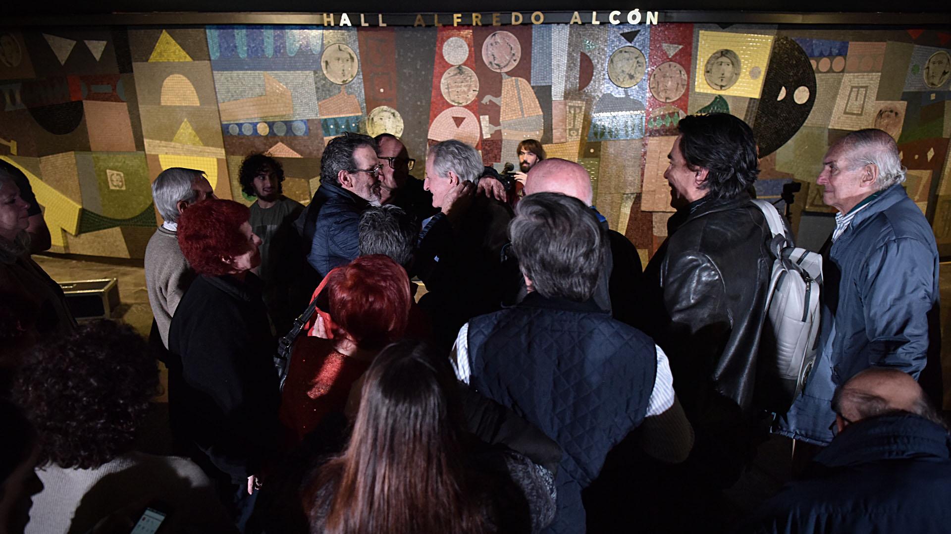 En sus comienzos, integró el elenco estable del Teatro San Martín