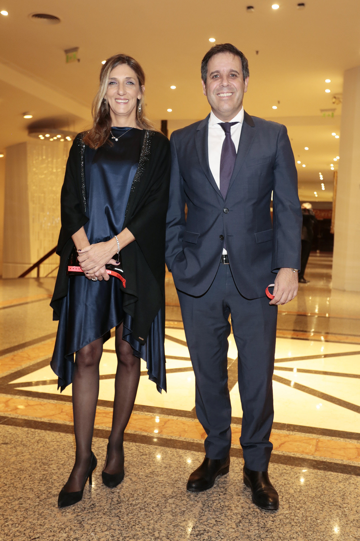El abogado Gastón Manes, presidente del Grupo INECO, y su mujer Daniela