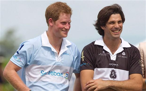 El príncipe Harry y el polista Nacho Figueras (AP)