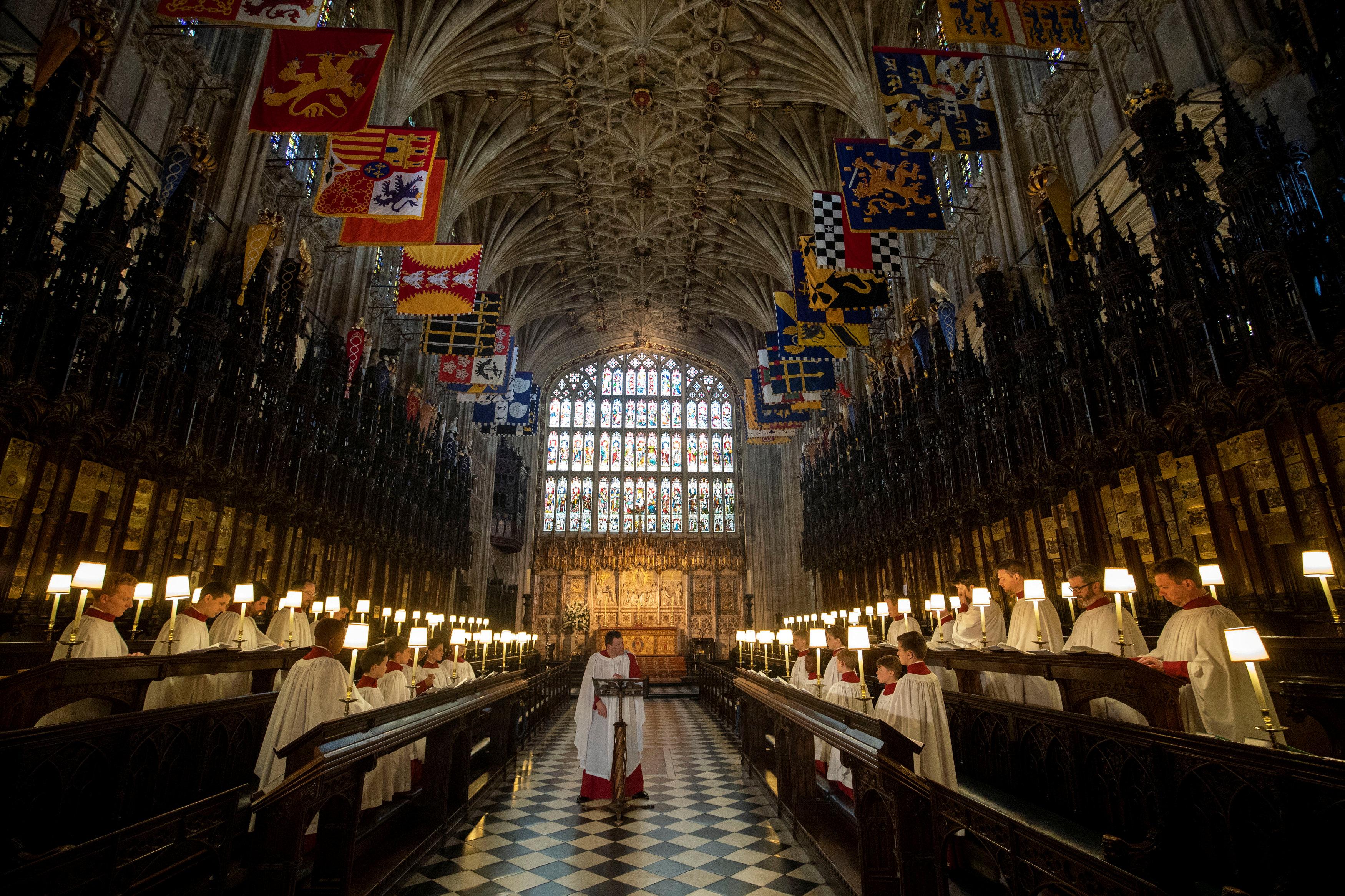 La capilla de StGeorge's Chapel horas antes de comenzar la ceremonia y ya preparada para la boda de Harry y Meghan Markle (Steve Parsons/Reuters TPX IMAGES OF THE DAY)