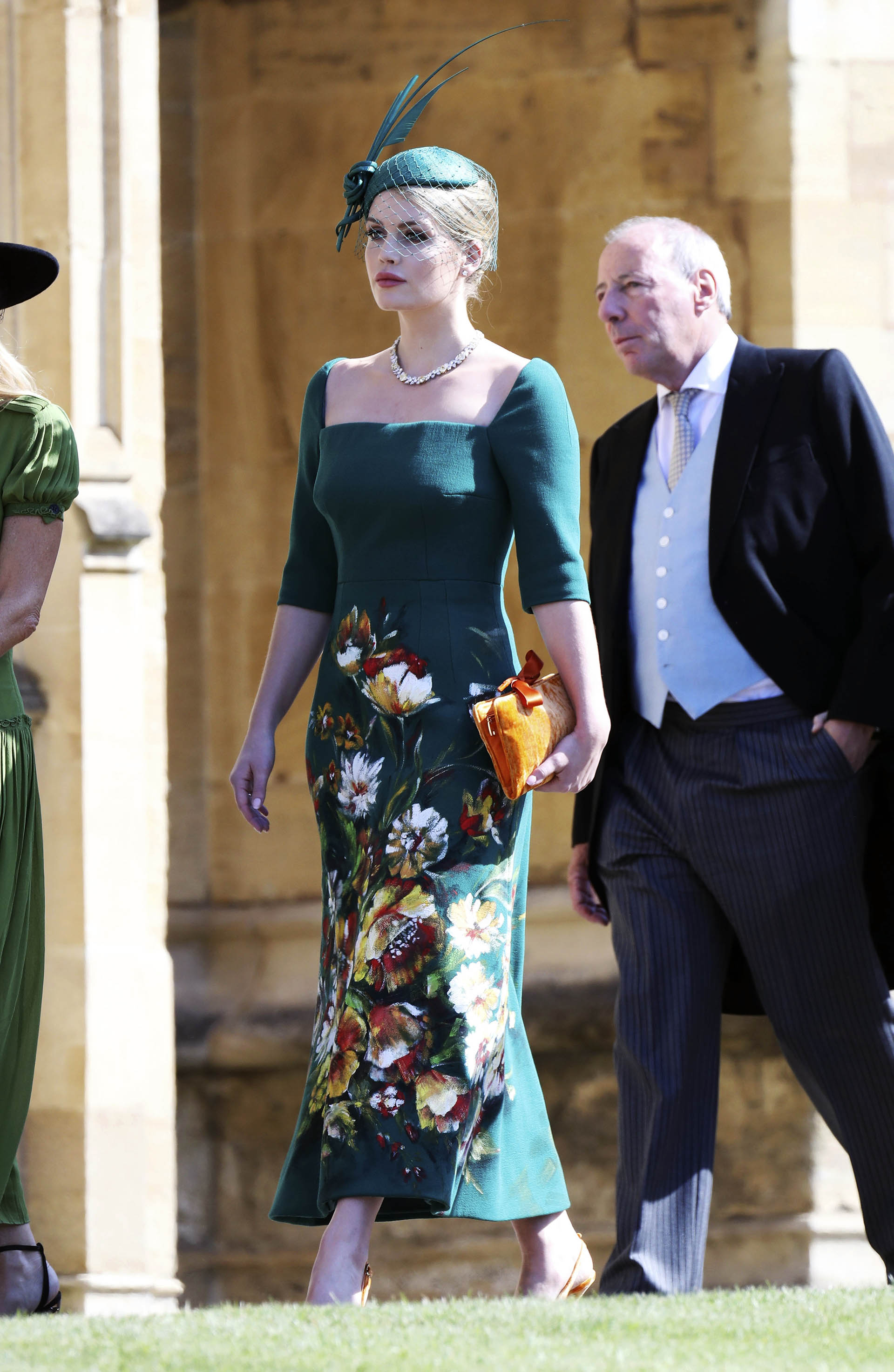 Lady Kitty Spencer- la sobrina famosa de Lady Di- por Dolce & Gabanna