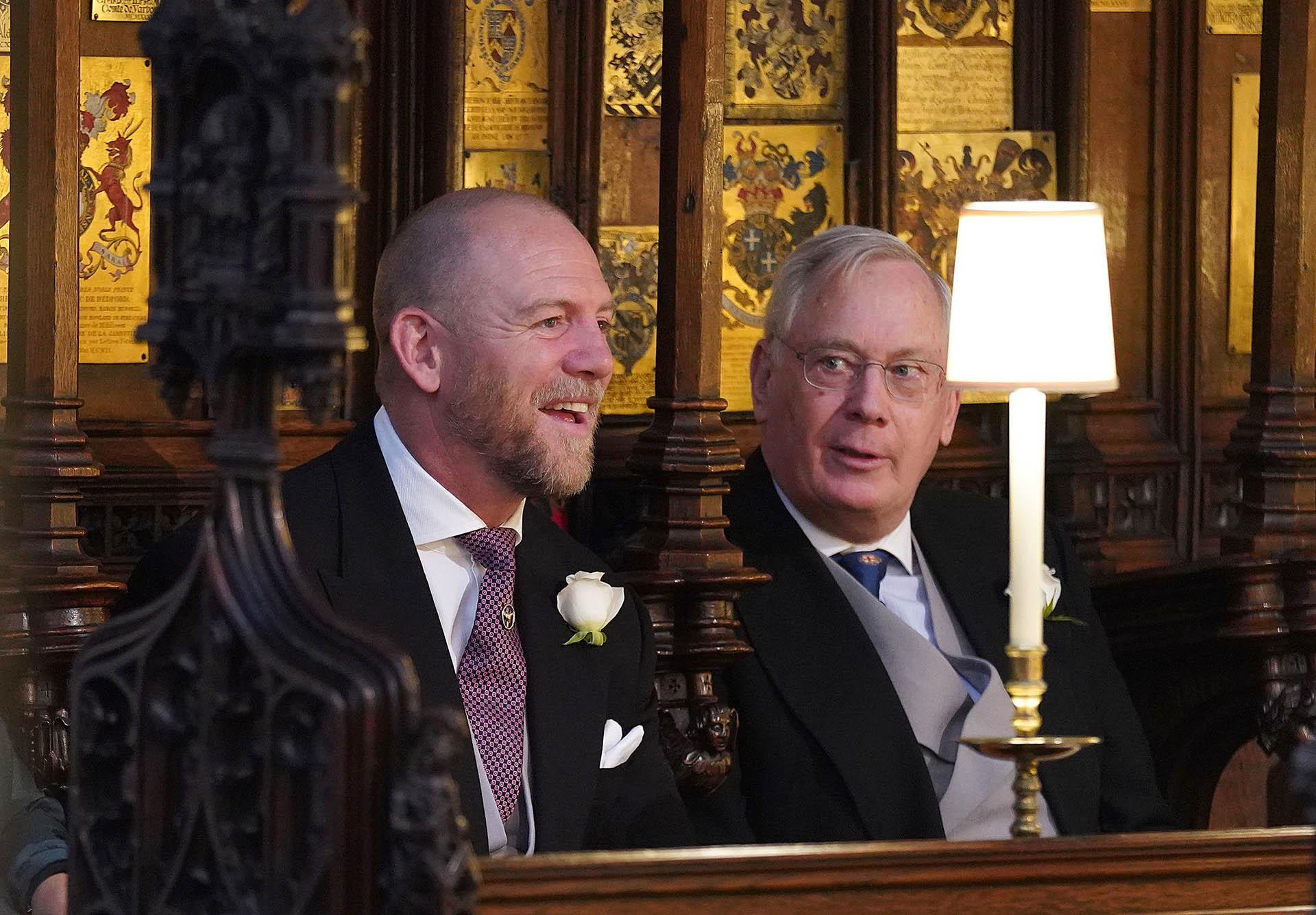 Mike Tindall y el príncipe Richard, duque de Gloucester (AFP)