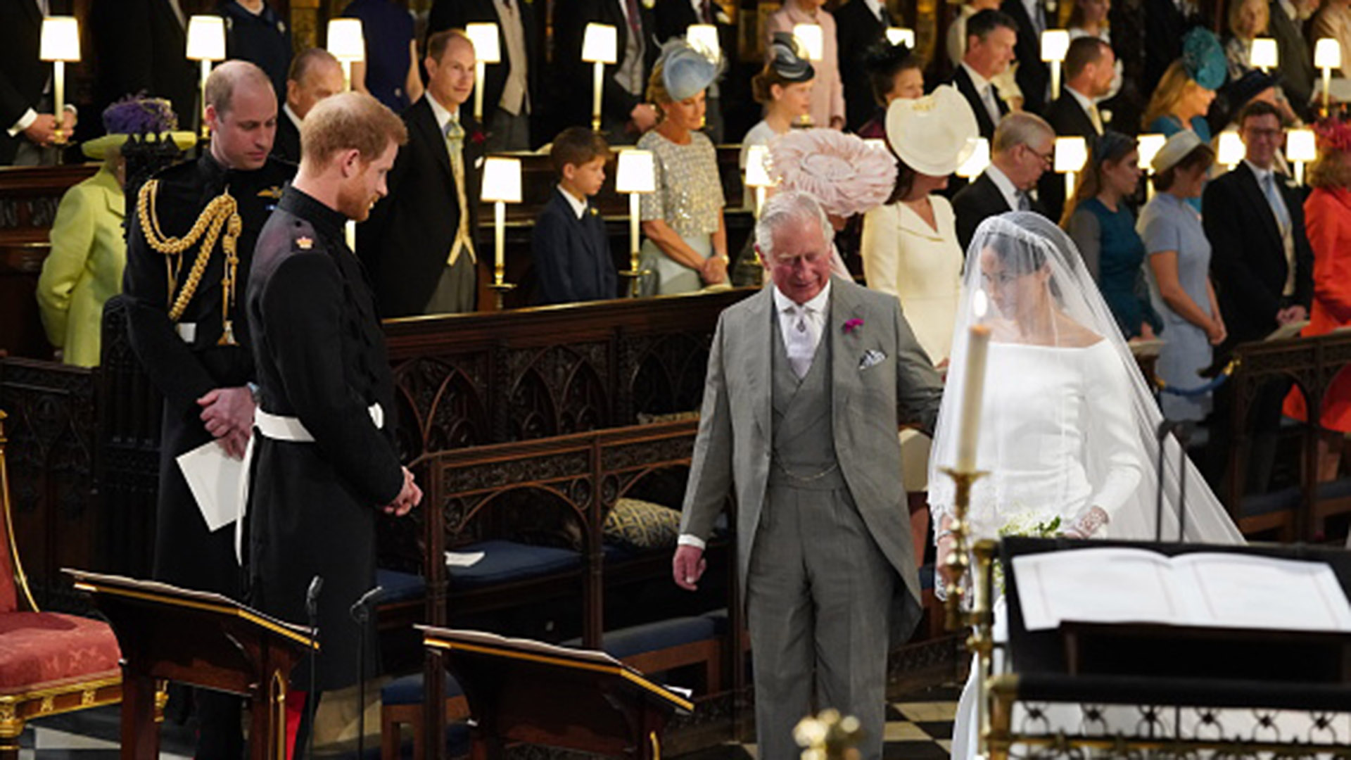Harry, emocionado, la esperó en el altar (Getty)