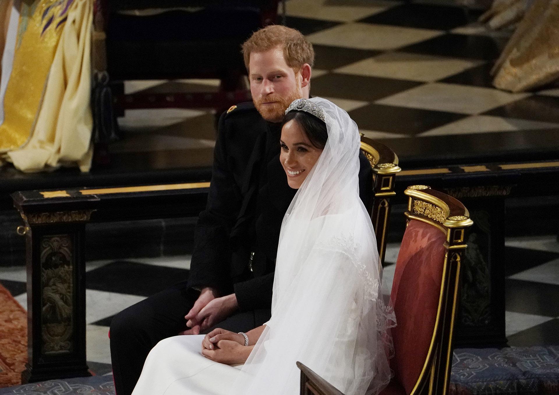 Ambos decidieron llevar alianza, algo que no es tradición en la familia real británica (AFP)