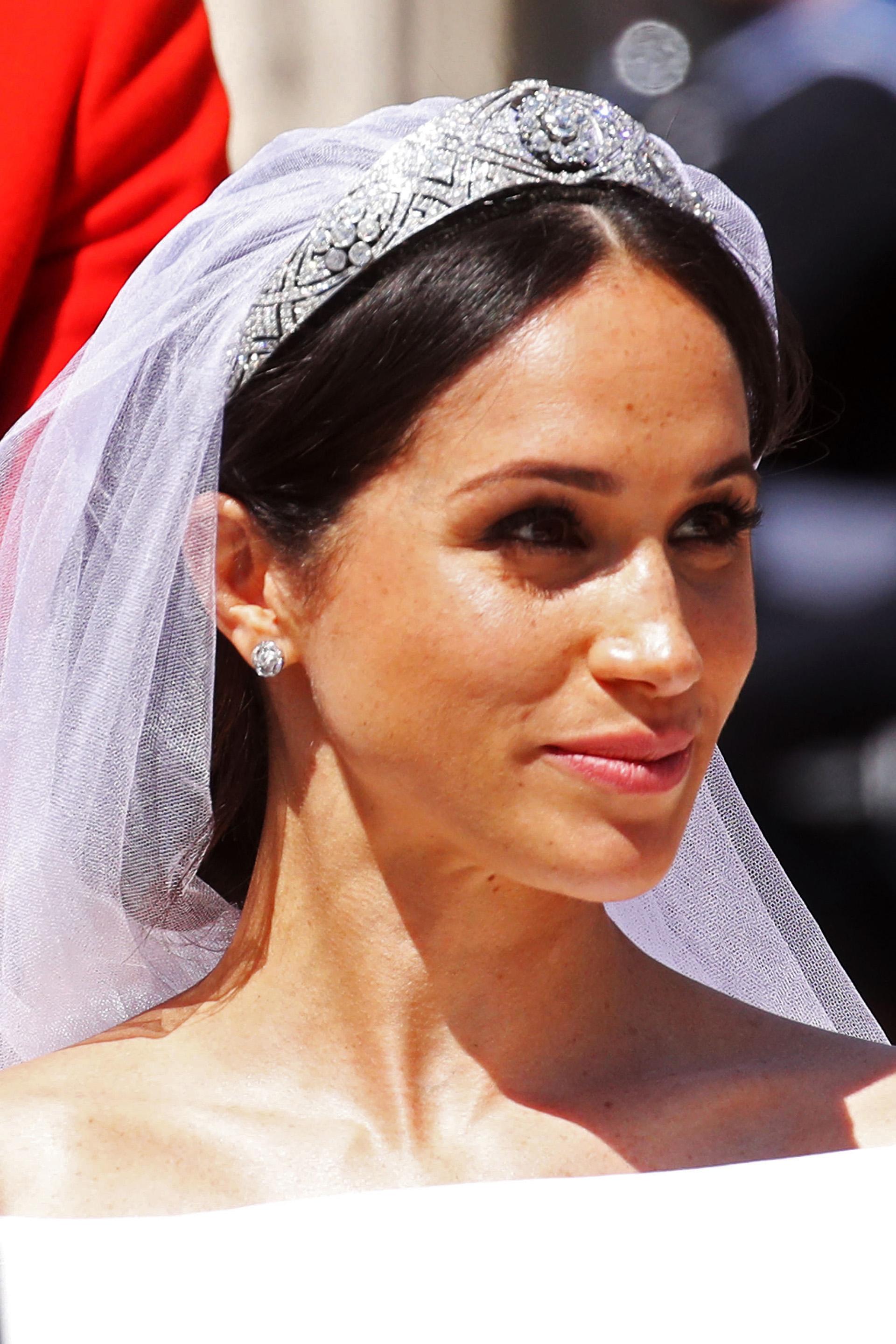 El maquillaje de la novia fue natural, dejó sus pecas sin cubrir y resaltó sus ojos con un delineador