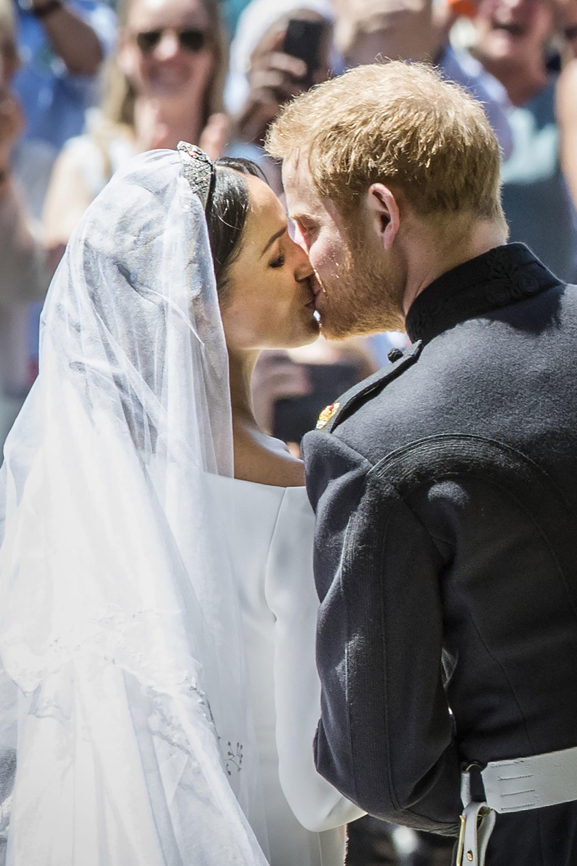 El beso en la puerta de la Capilla de St George (AFP)