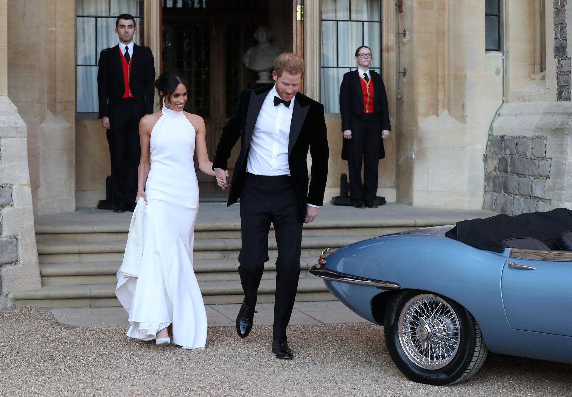 Tanto Markle como Harry cambiaron su vestimenta (REUTERS)