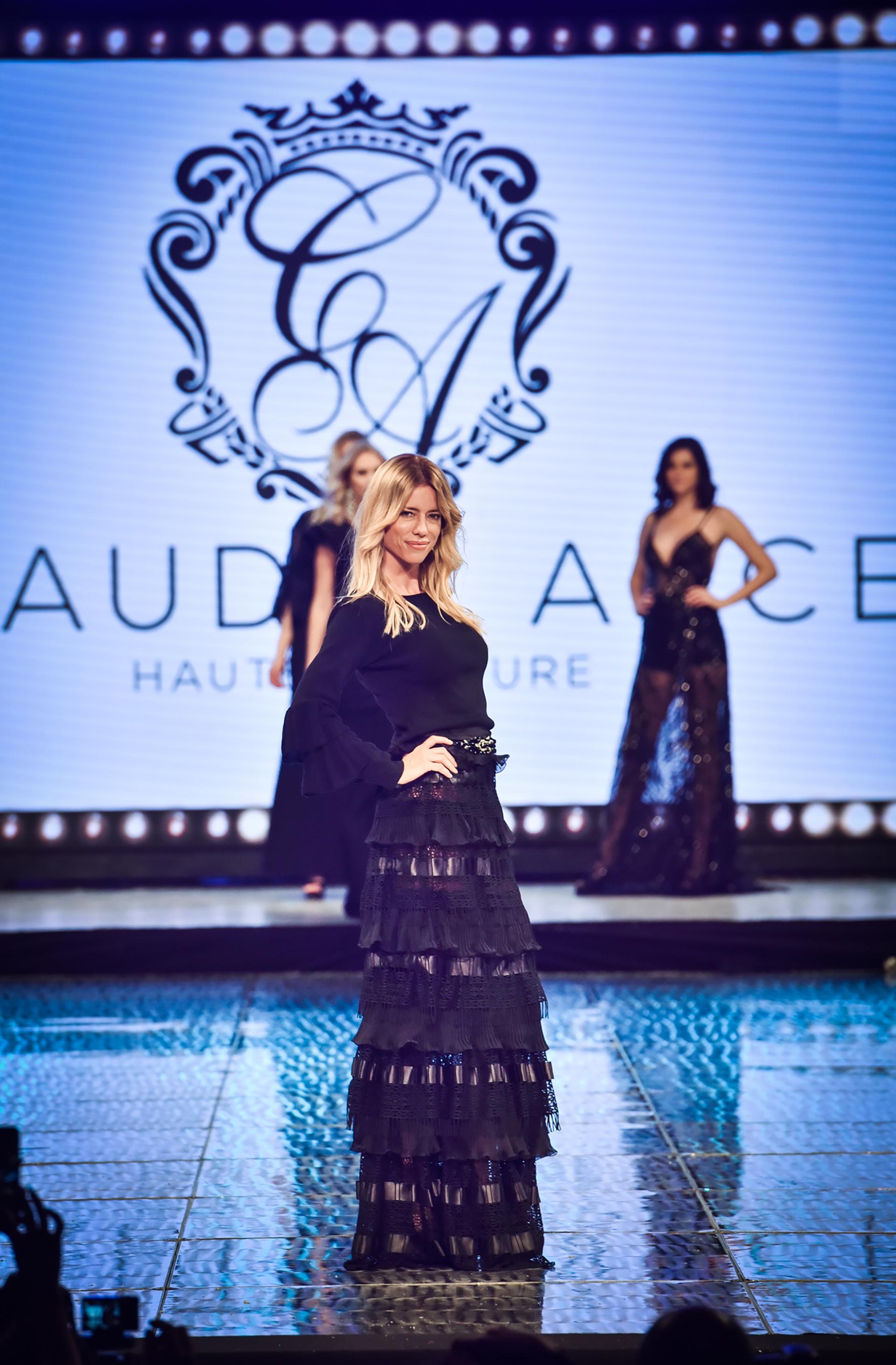 Nicole Neumann, cerró la pasarela de una noche mágica que reunió a los principales diseñadores argentinos, en el primer día del gran show de moda