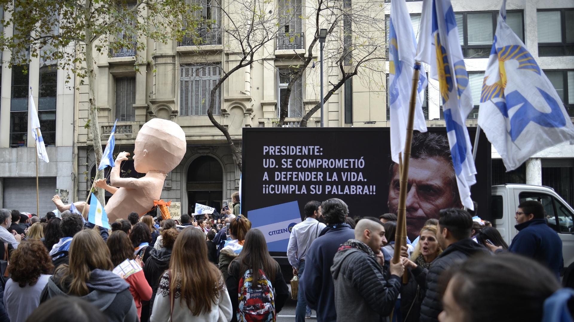 "El reclamo a Mauricio Macri: ""Usted se comprometió a defender la vida. ¡¡Cumpla su palabra!!"