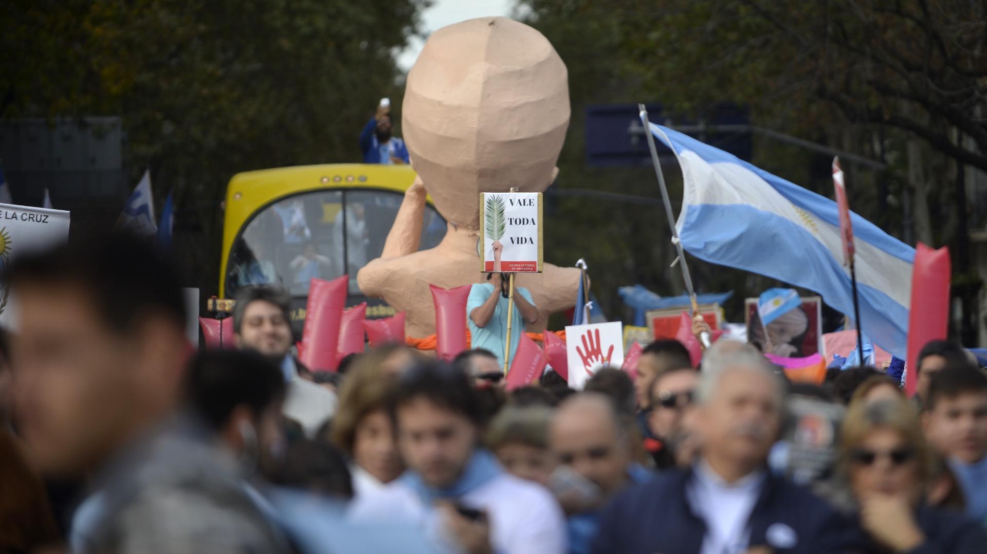 El bebé gigante volvió a formar parte de la manifestación, al igual que en la marcha del 25 de marzo