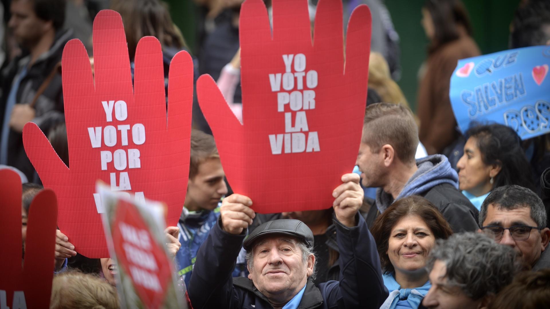 Resultado de imagen para Voto histórico en el Congreso argentino sobre la despenalización del aborto