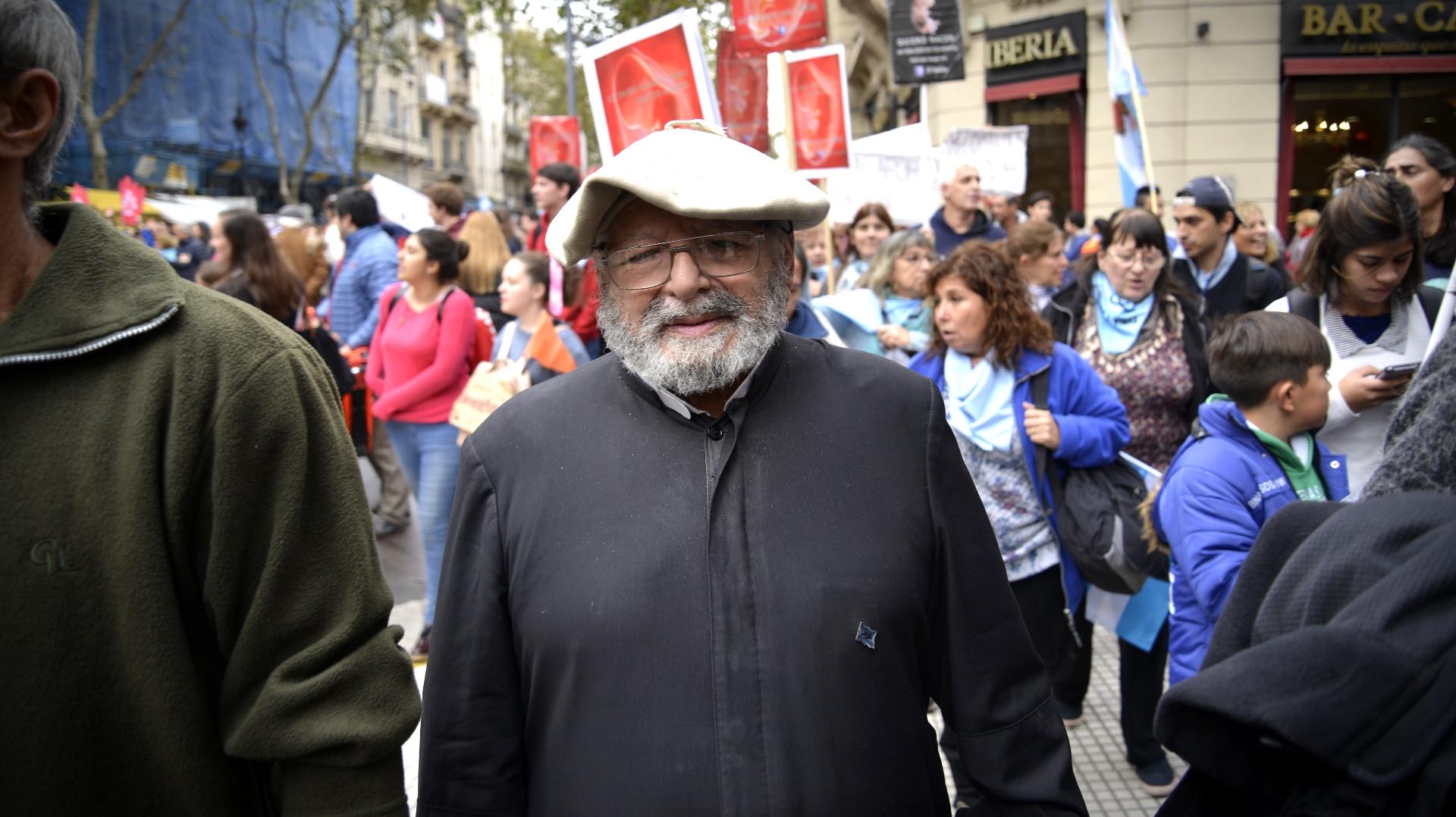 Entre los organizadores estuvo la agrupación +Vida, que días atrás lanzó el pañuelo celeste junto a diputados antiabortistas