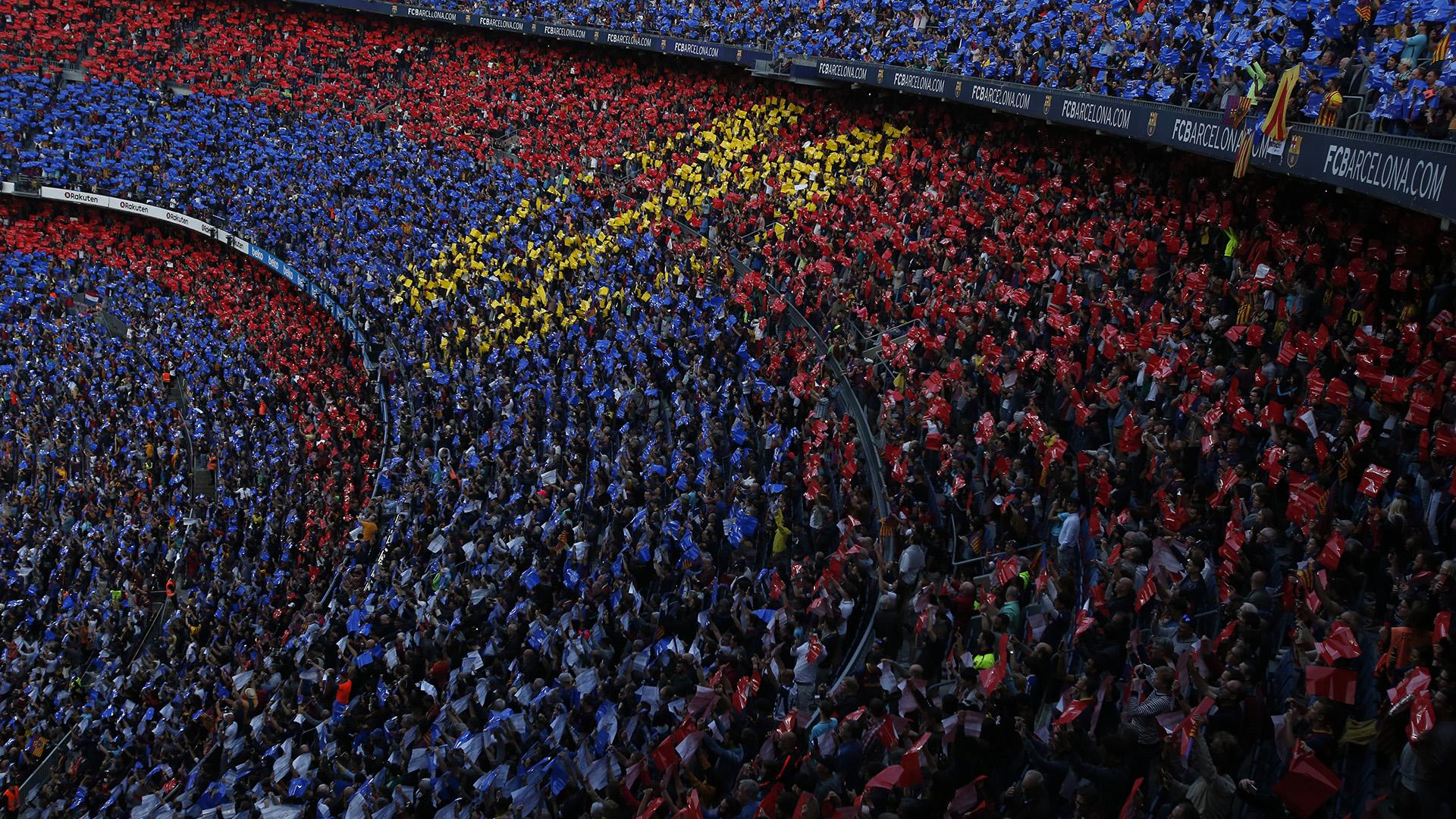 El símbolo del infinito en las gradas del Camp Nou