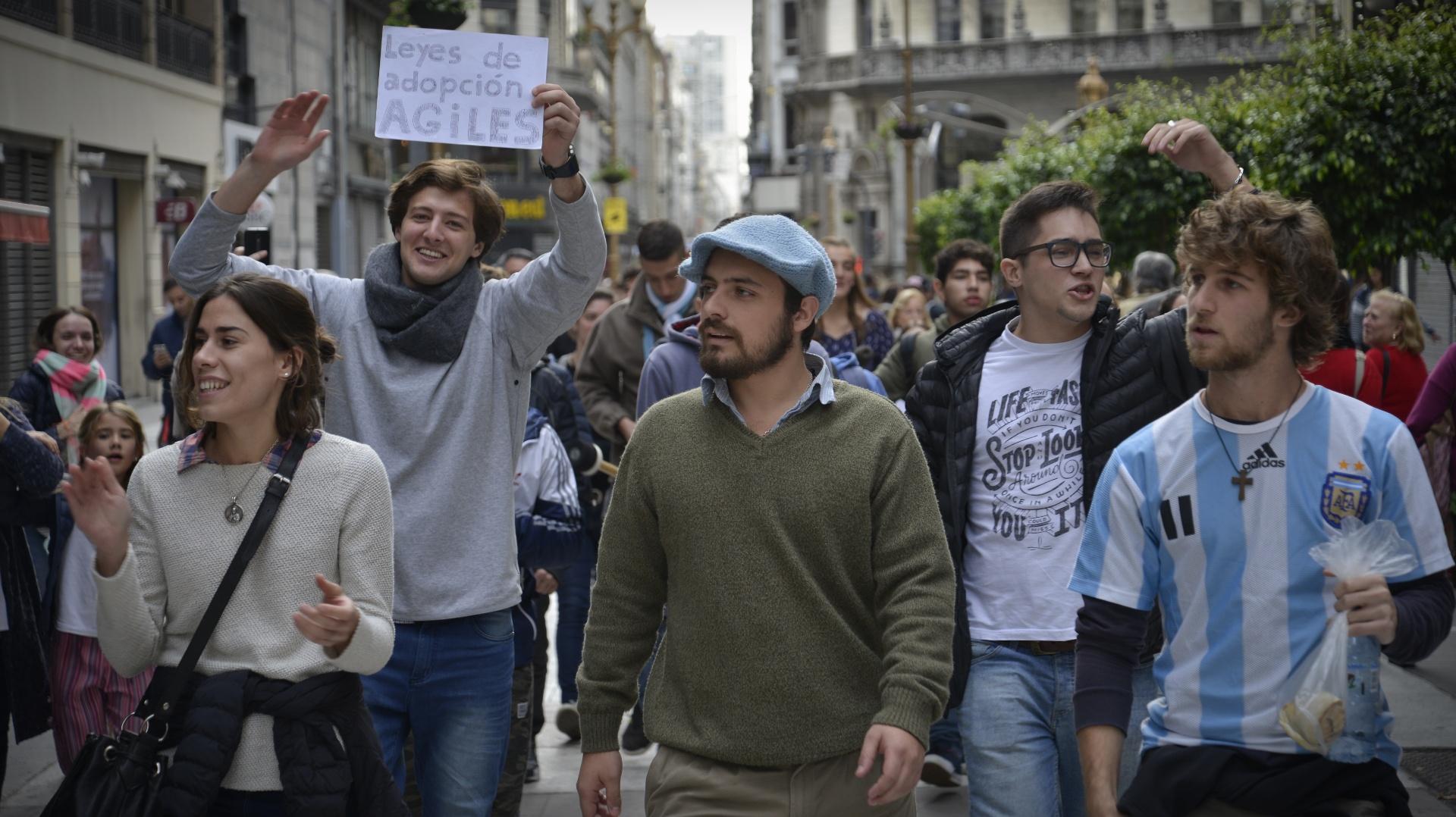 Mucha gente viajó desde distintas zonas del Gran Buenos Aires a participar de la convocatoria en el Congreso