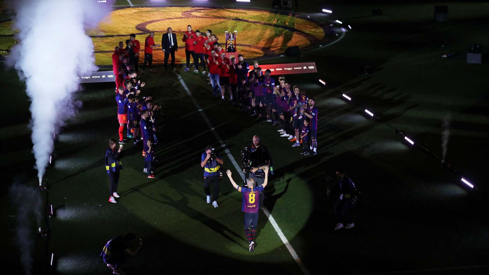 Tras el partido ante la Real Sociedad se realizó un homenaje