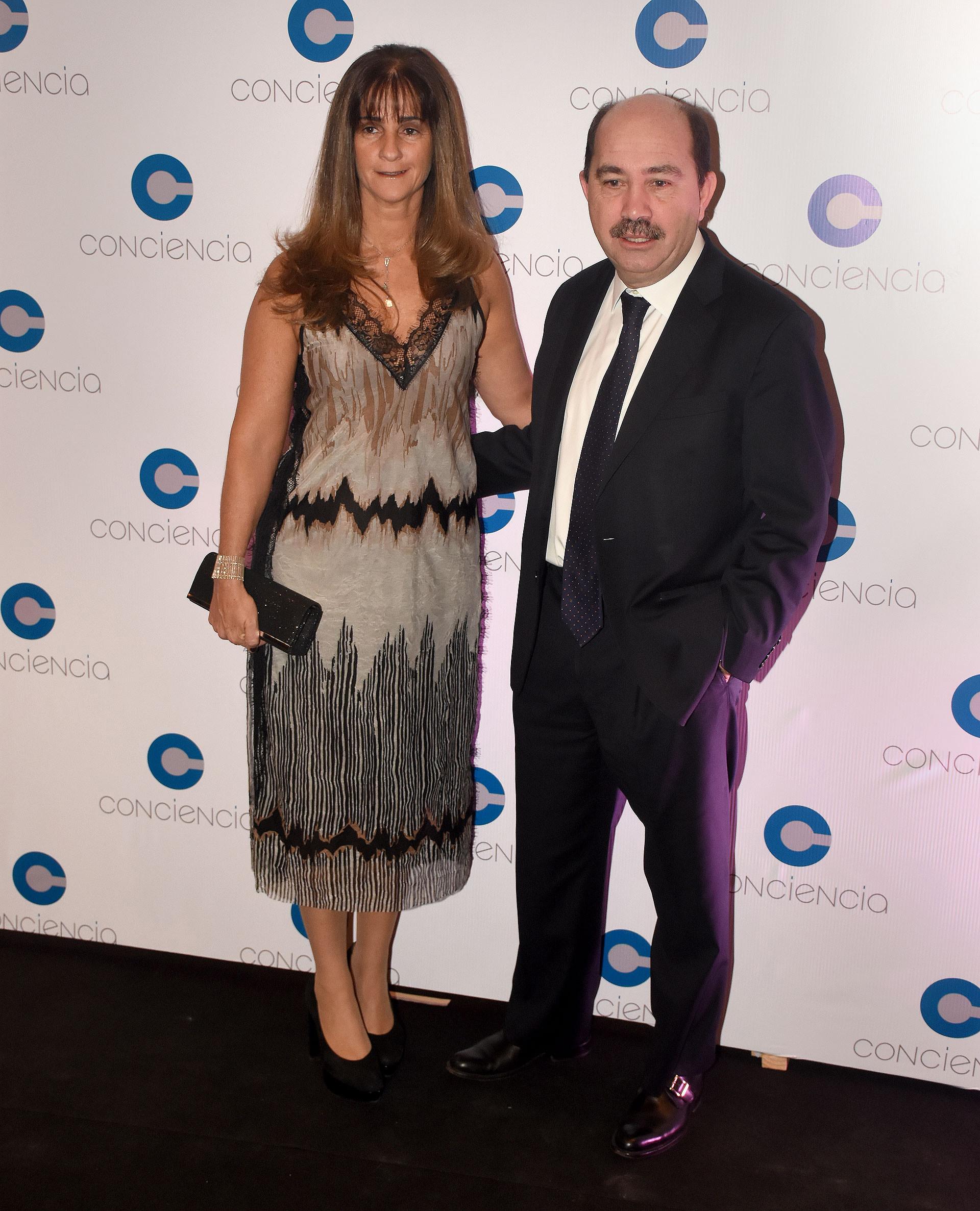 El presidente del Banco Ciudad, Javier Ortiz Batalla, y su esposa Carla
