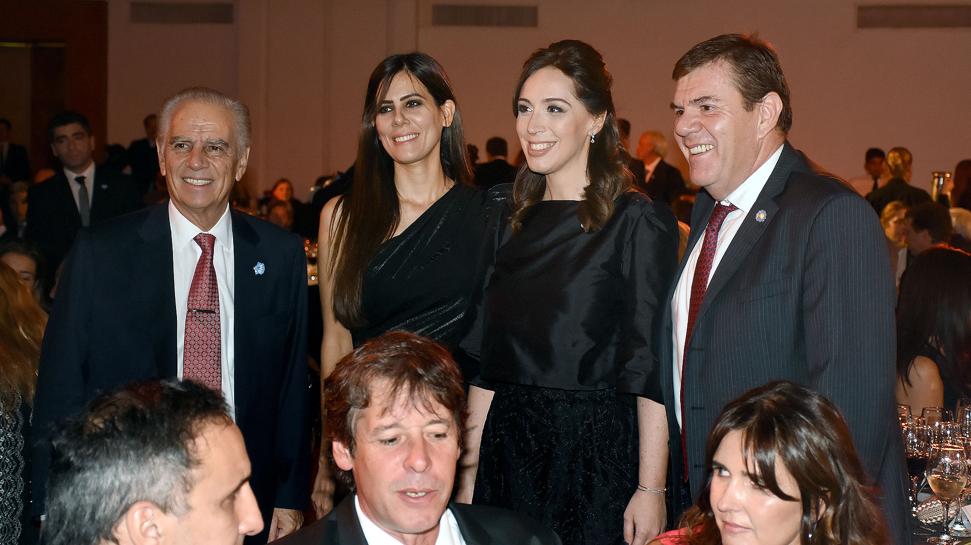 María Eugenia Vidal junto al empresario Alejandro Bulgheroni y aldiputadoGuillermo Montenegro