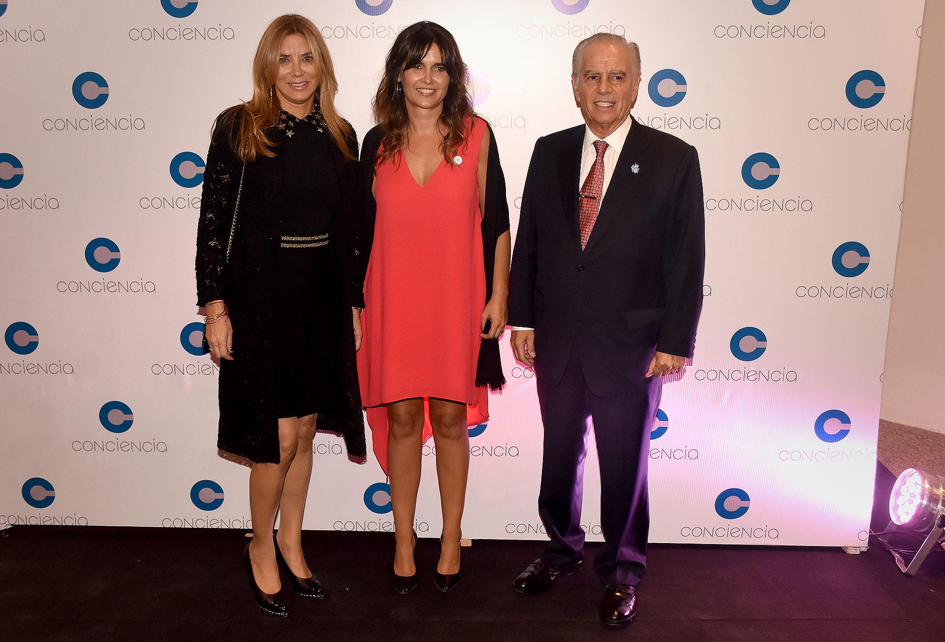 Bettina y Alejandro Bulgheroni junto a Beby Lacroze