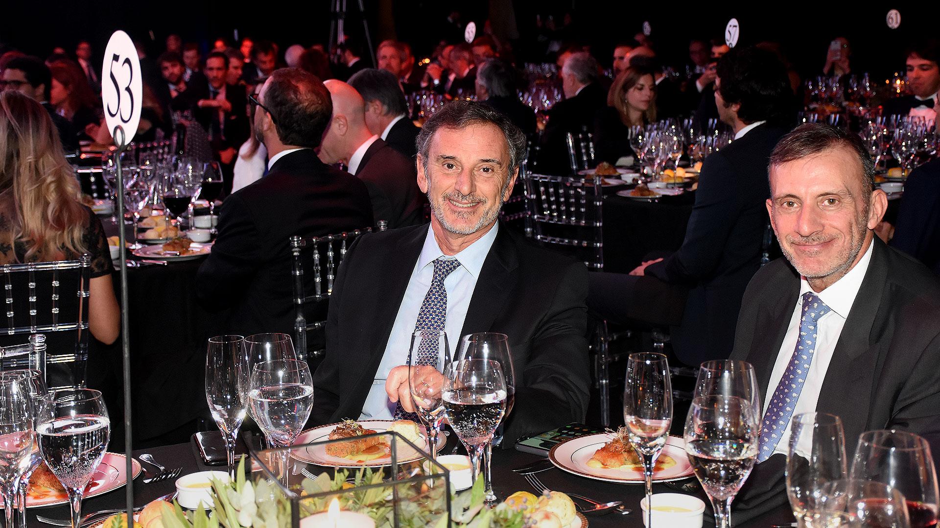 Claudio Cesario, presidente de la Asociación de Bancos de la Argentina (ABA), y Norberto Montero (PWC)