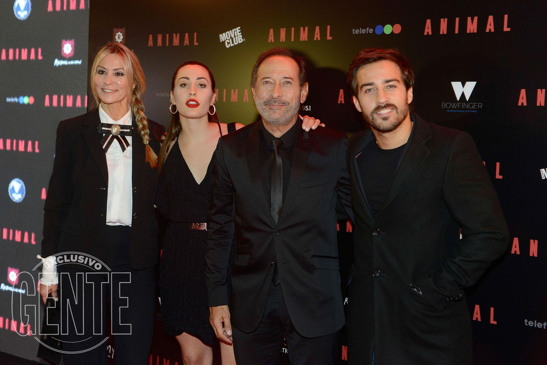 La familia Francella: Marinés, Yoyi, Guillermo y Nico (Foto Francisco Trombeta/GENTE)