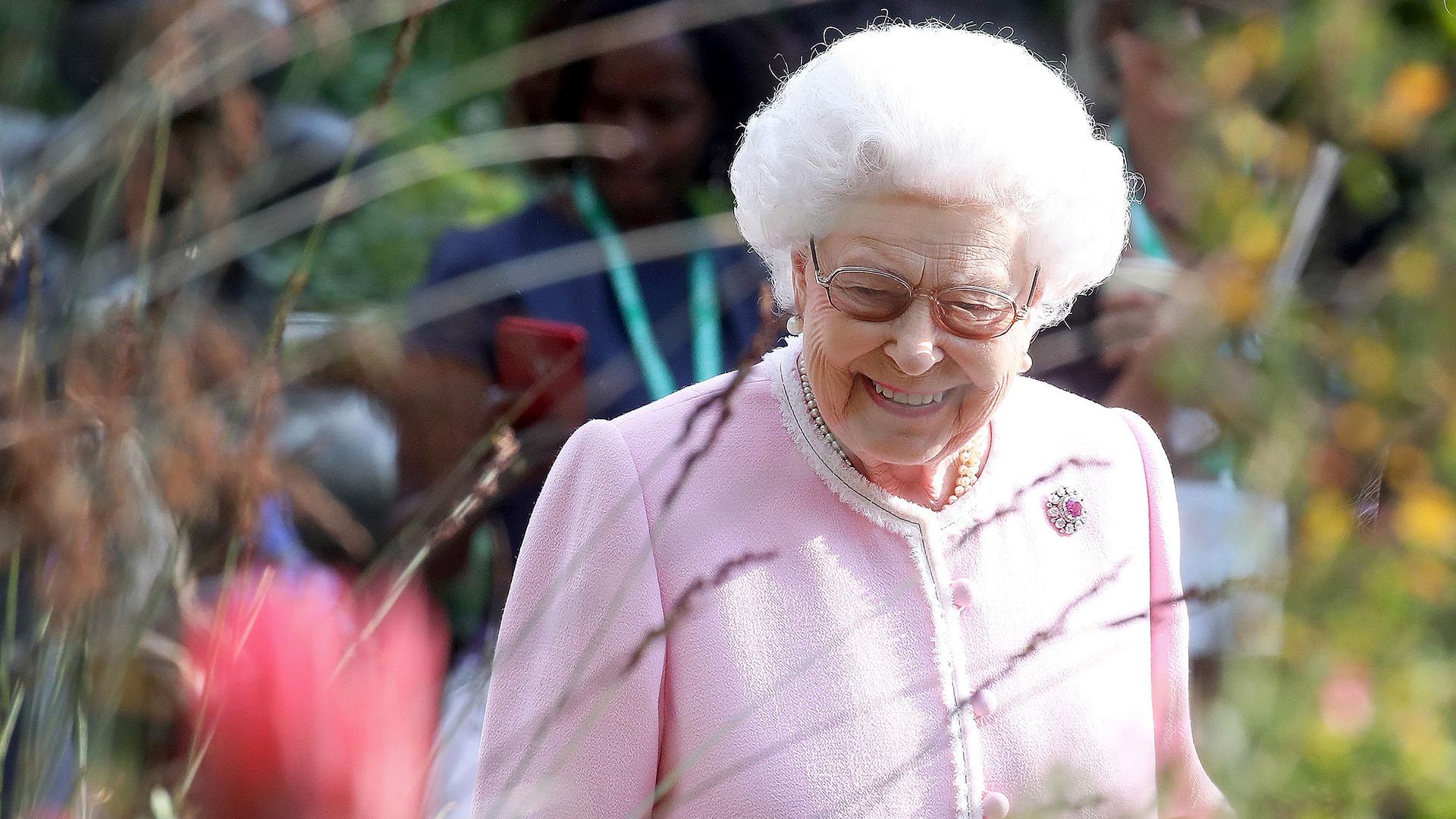 La reina Isabel II a su llegada al Chelsea Flower Show, un gran evento que se realiza anualmente en el Hospital Real de Chelsea y que está considerado la mayor exposición floral del mundo