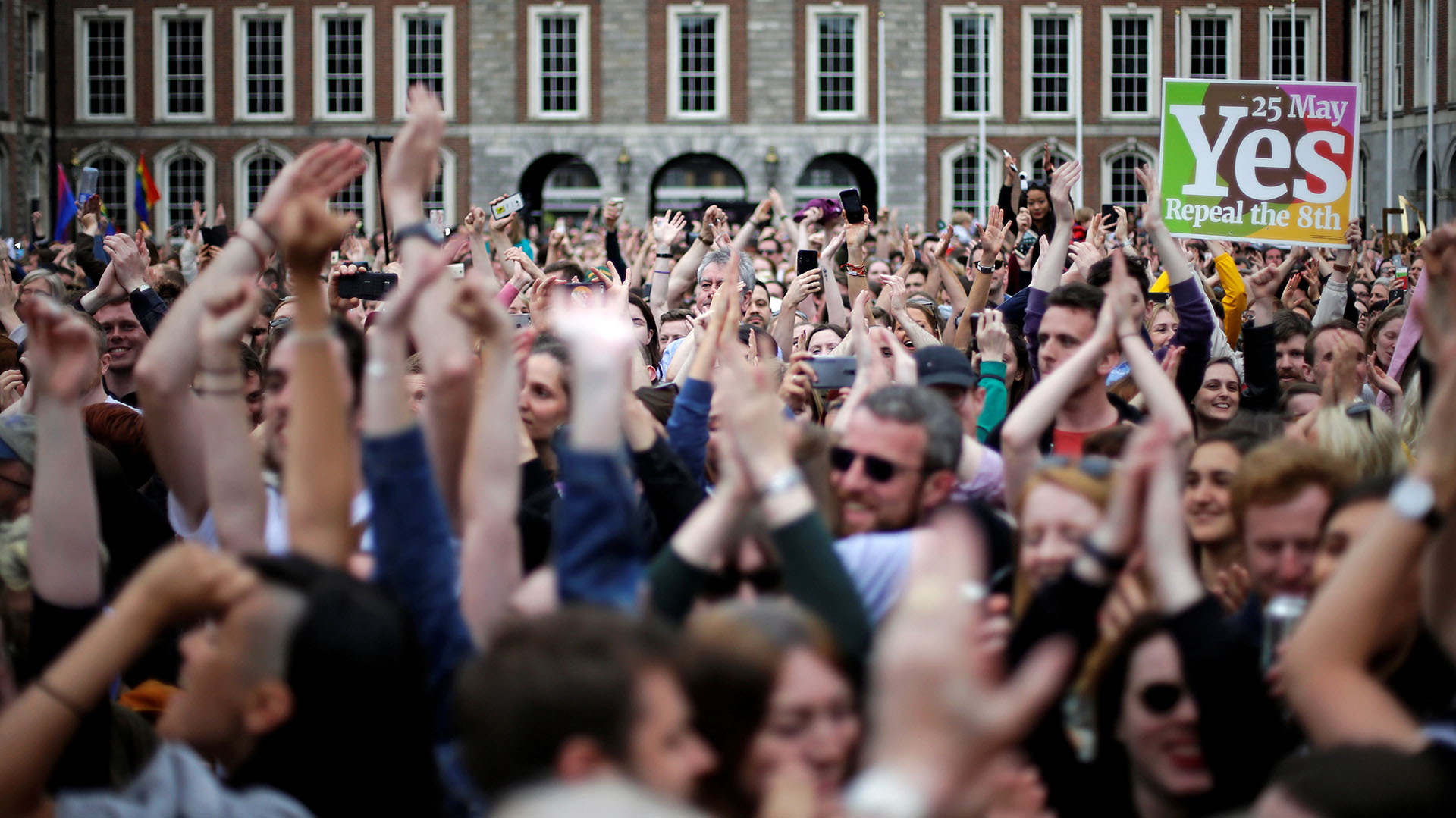 Celebraciones en Dublin por la victoria del Sí en el referéndum por el aborto en Irlanda (REUTERS/Max Rossi)
