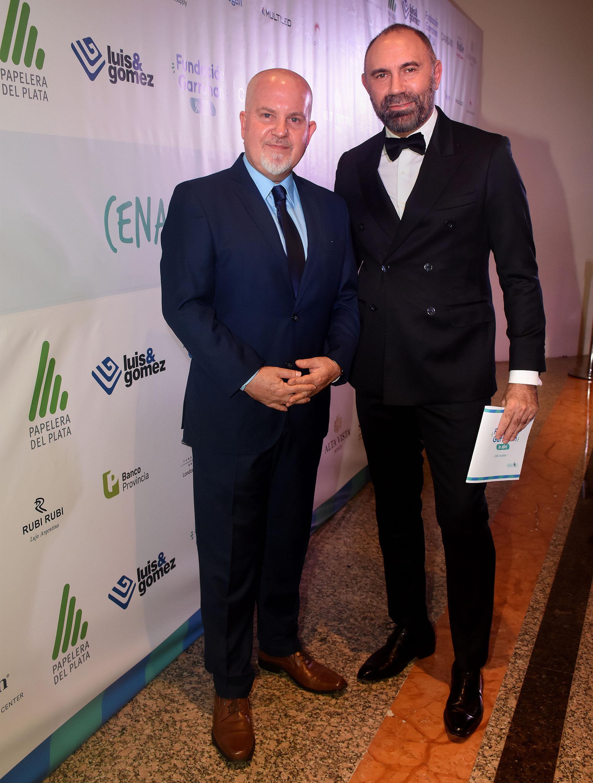 Juan Ignacio Penlowskyj, colaborador de la Fundación Garrahan, y el diseñador Gabriel Lage
