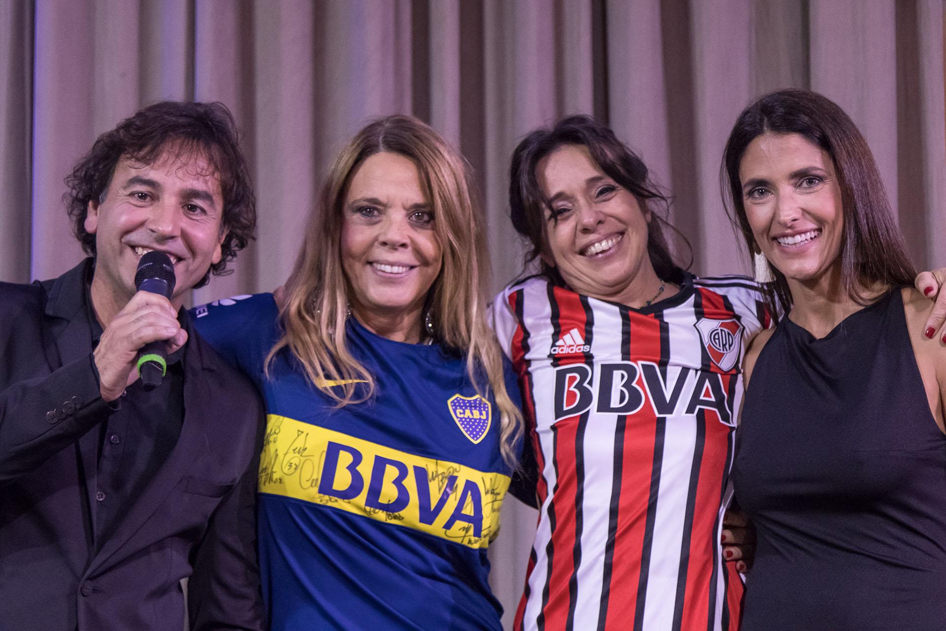 Gonzalo Rodríguez y Alejandra Martínez realizaron la subasta de experiencias a beneficio de la Fundación, acompañados por Silvana González y Viviana Oneto