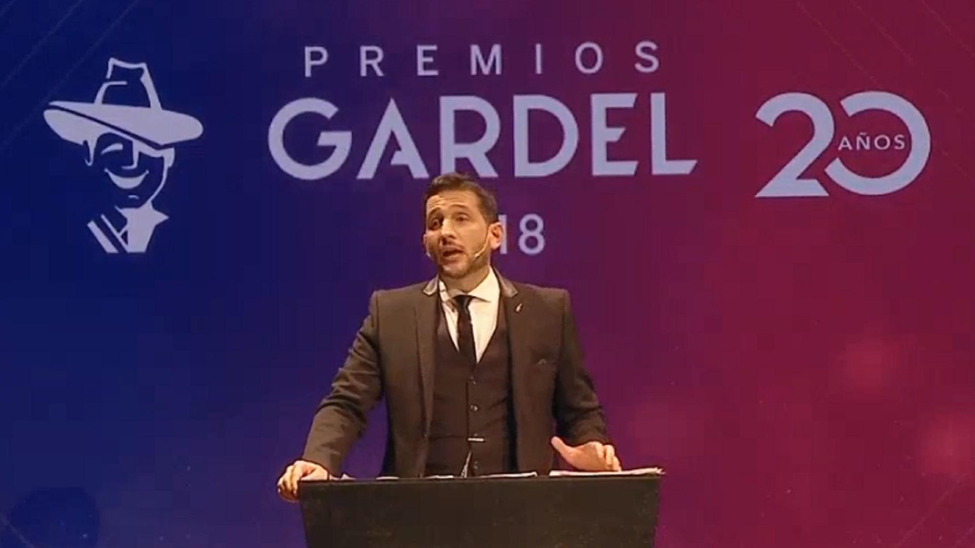 Germán Paoloski, conductor de la gala en vivo que transmitió la TV Pública