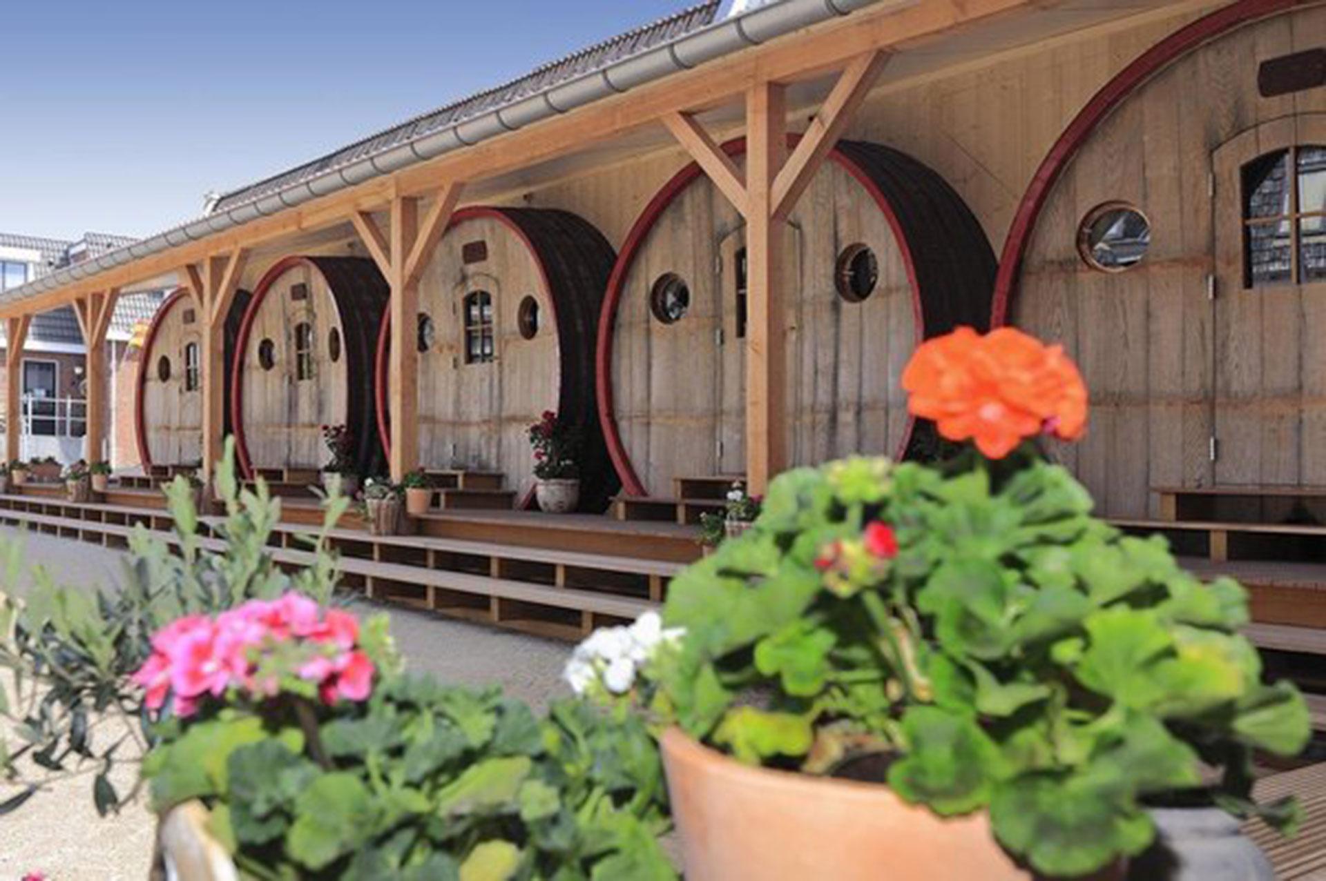 Hotel de Vrouwe van Stavoren (Stavoren, Holanda). Las habitaciones eran originalmente enormes toneles de vino