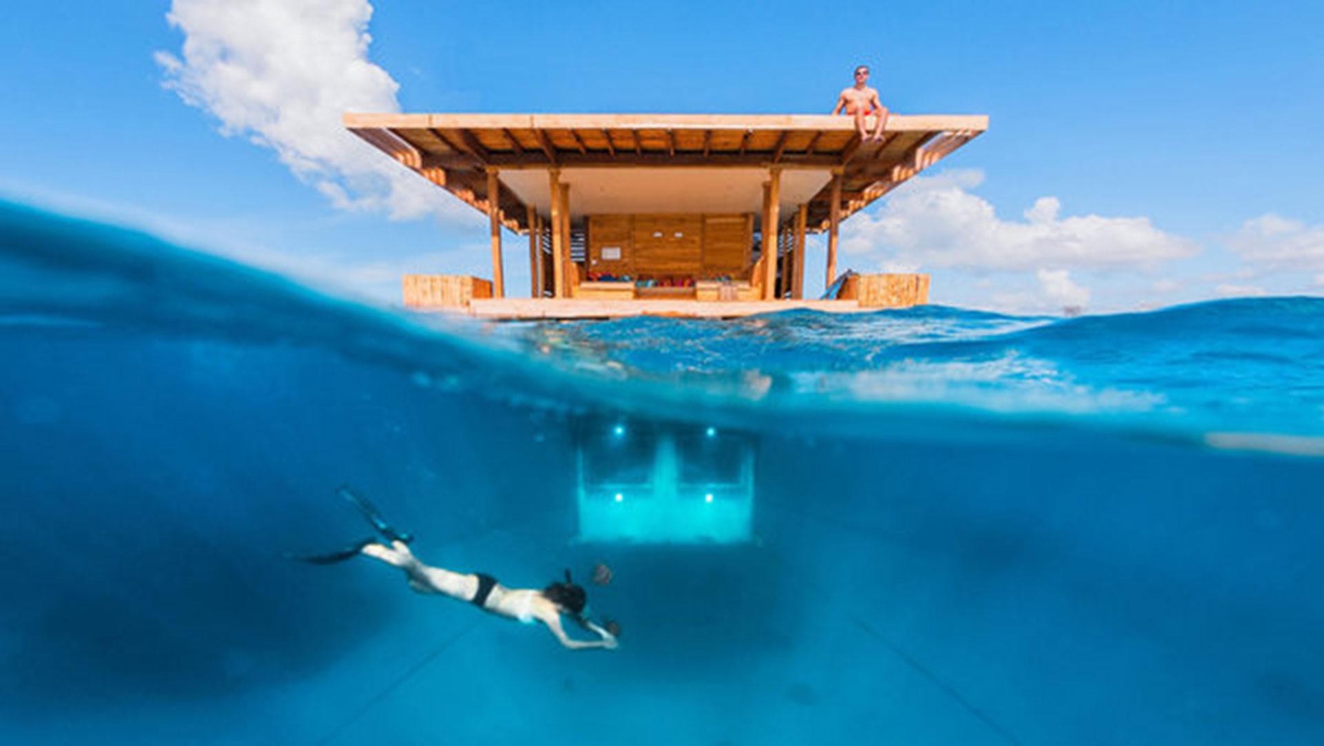 The Manta Resort (Isla Pemba, en el archipiélago de Zanzibar, Tanzania). Cada habitación es una pequeña isla flotante, con cuartos subacuáticos