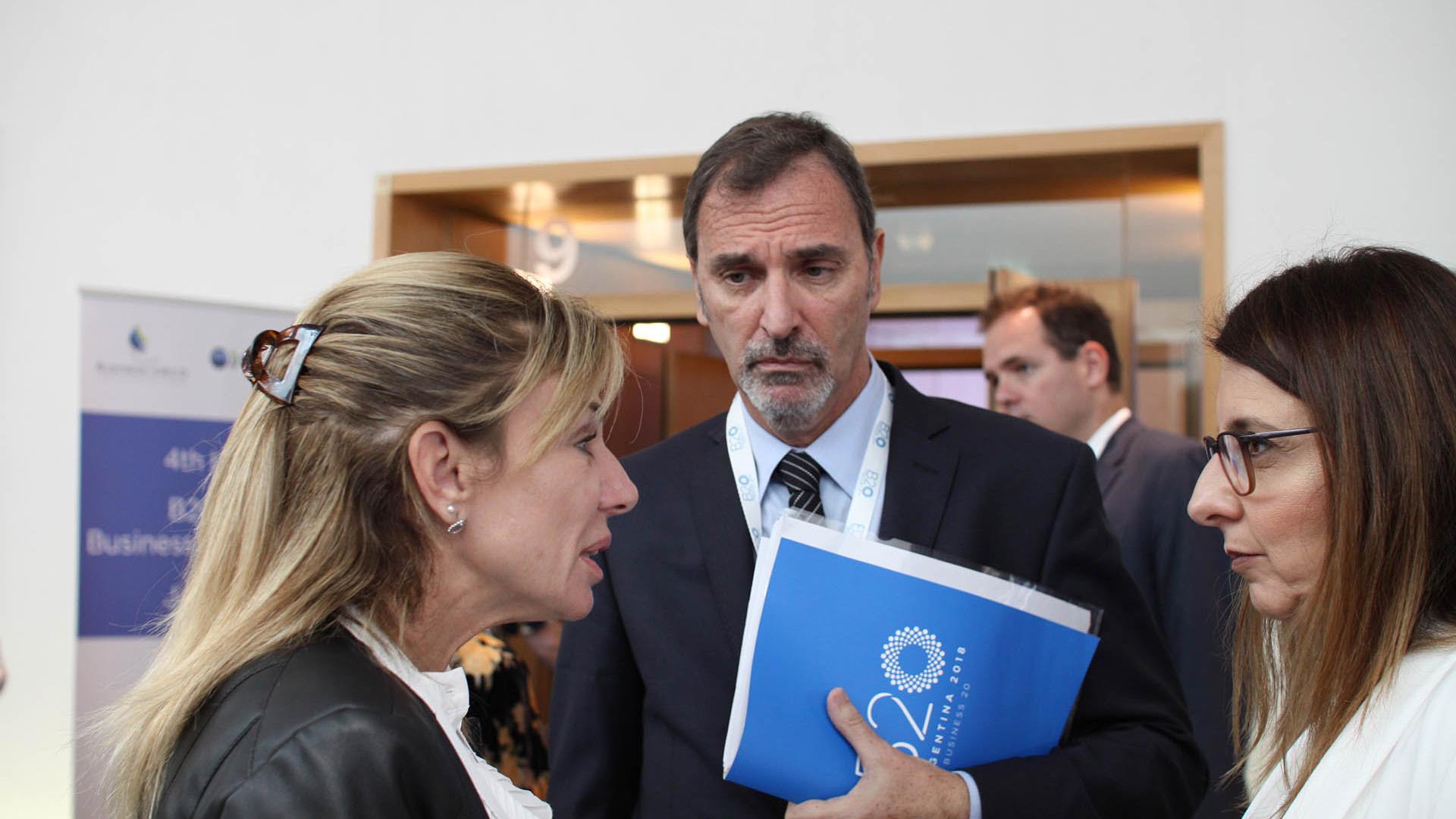 Karen Vizental y Miguel Kozuszok, de Unilever, y Soledad Izquierdo, de Coca Cola