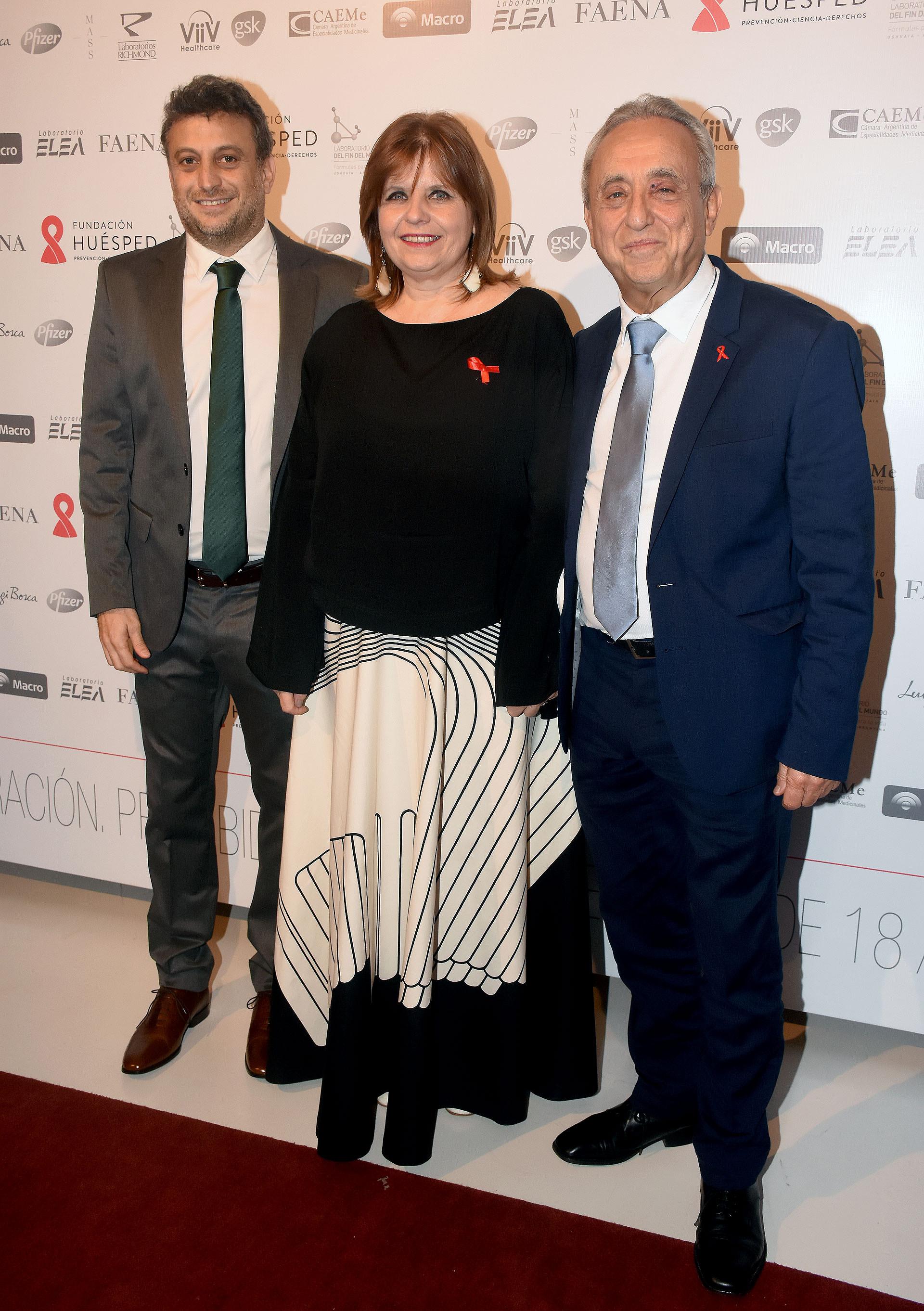 Leandro y Pedro Cahn junto a la ministra de Salud porteña, Ana María Bou Pérez