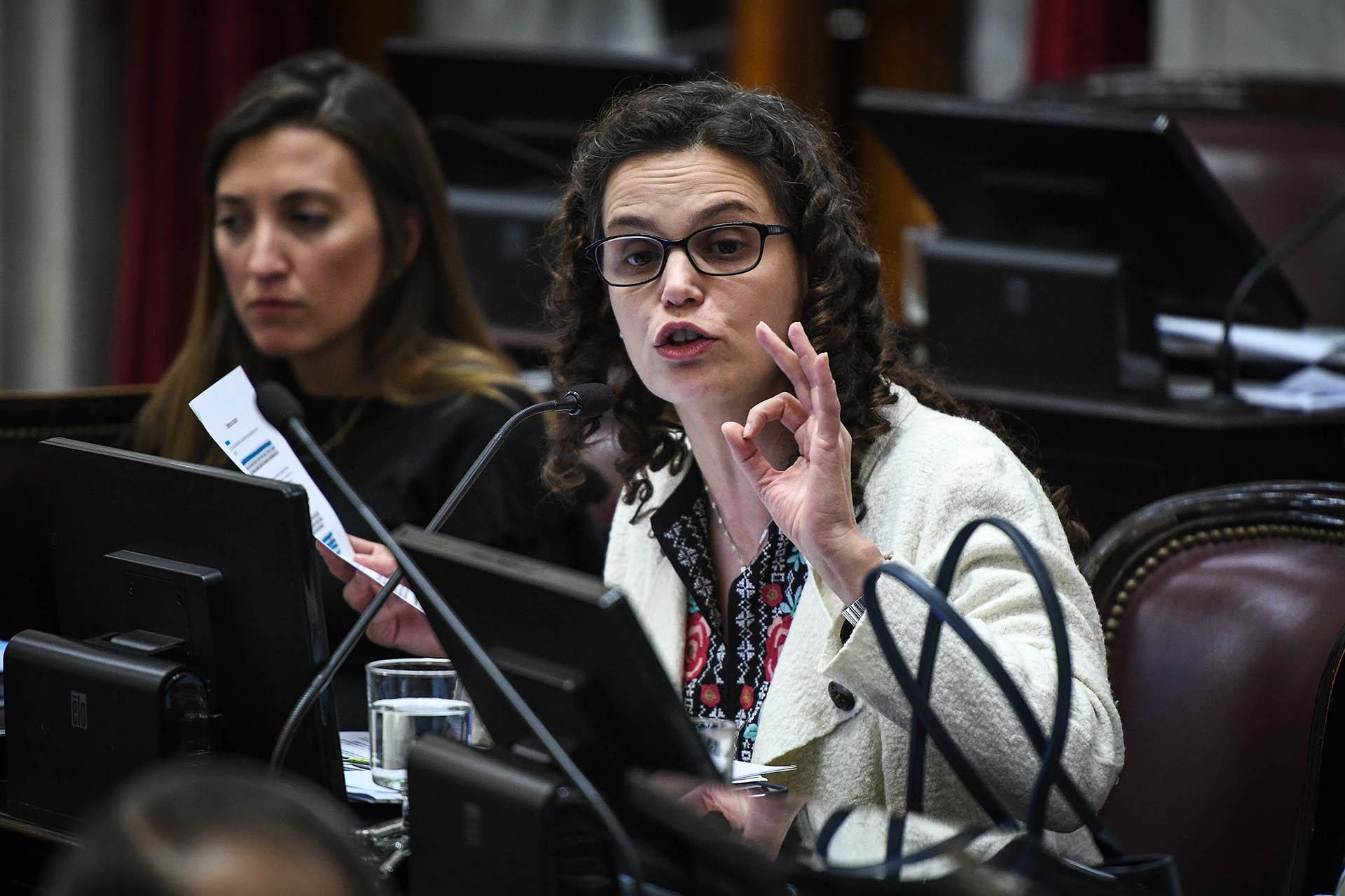 María Cristina del Valle Fiore Viñuales