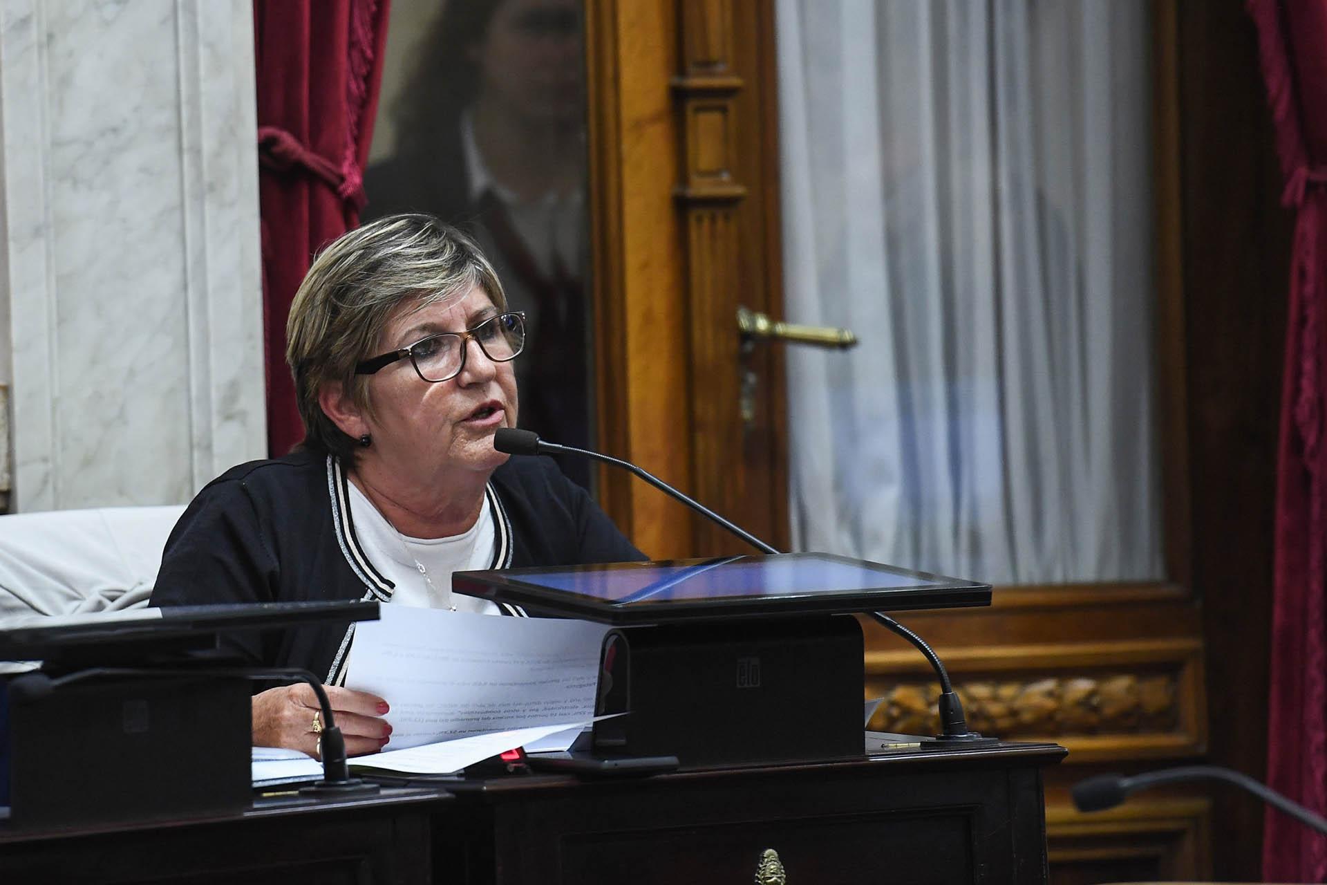 Nancy González