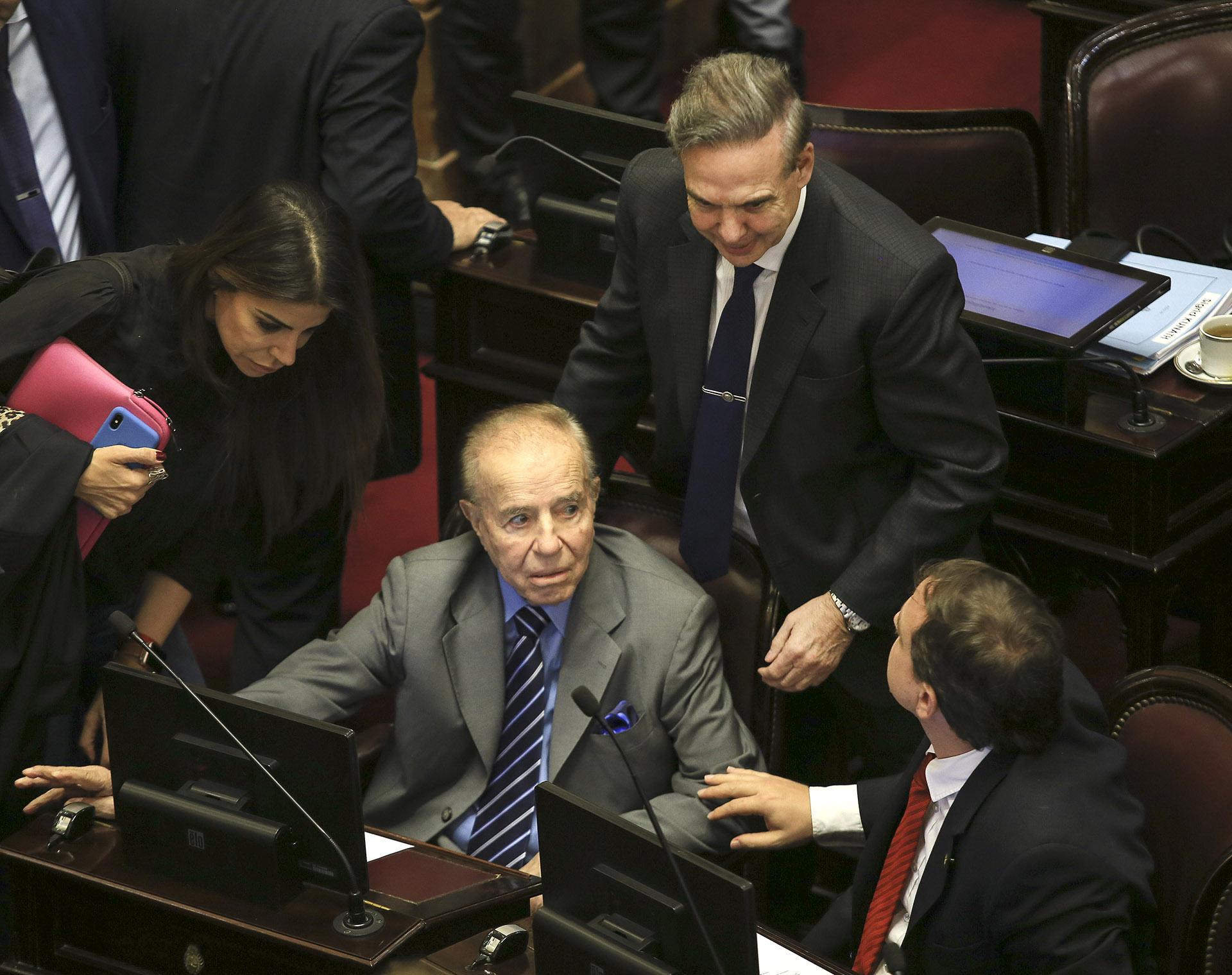 El senador Carlos Menem