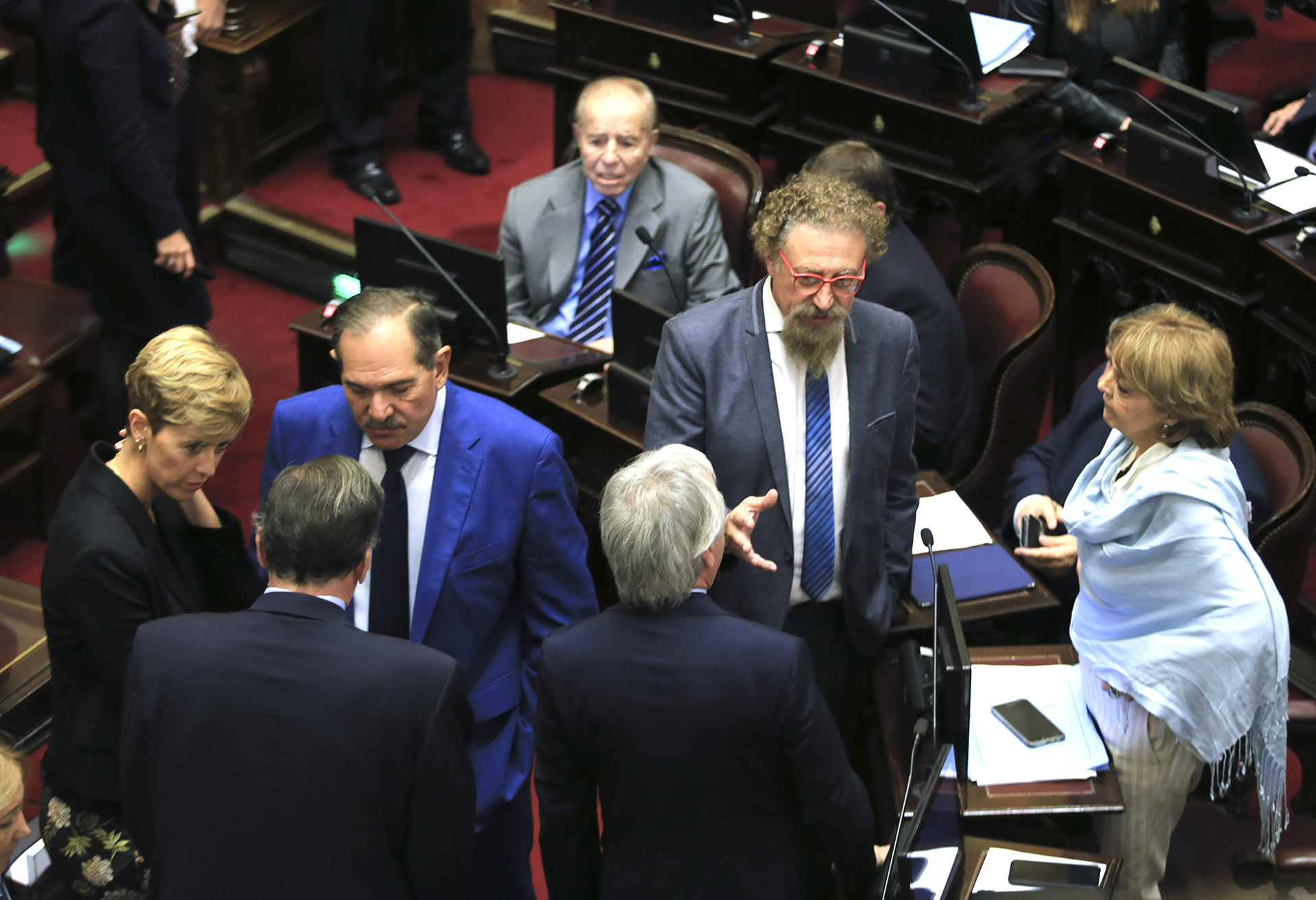 El Senado sancionó de madrugada la ley de tarifas y esta mañana Macri la vetó.