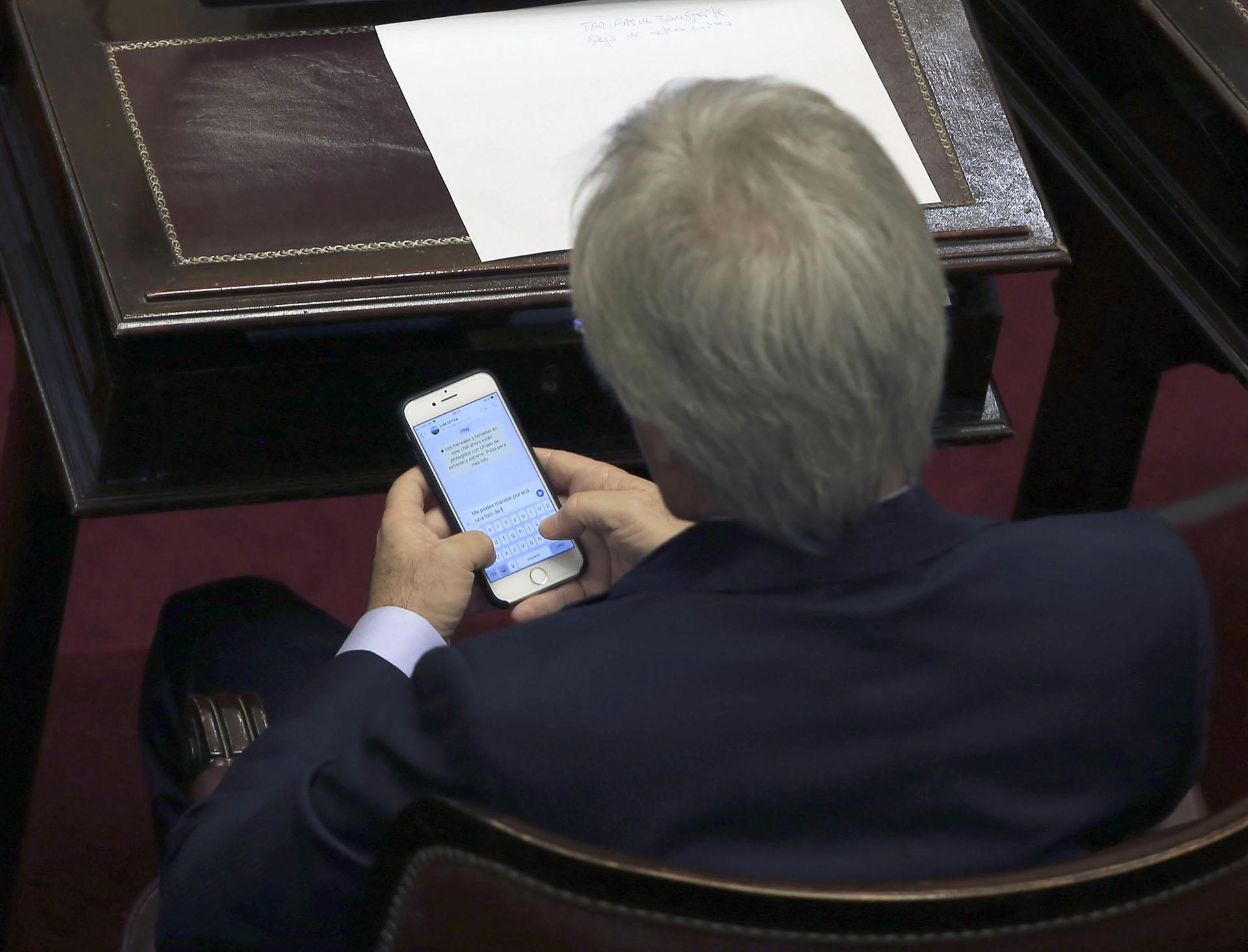 El senador Federico Pinedo, durante la sesion de la Cámara Alta donde se debate el proyecto de morigeracion de las tarifas de los servicios publicos.