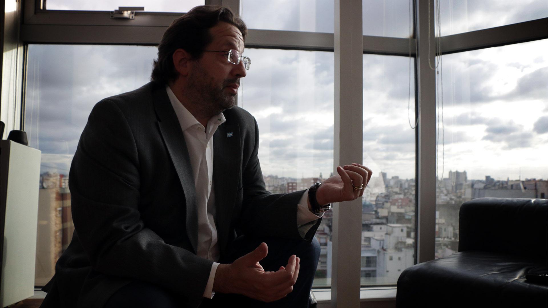 """Marco Lavagna, el economista y diputado del espacio que conduce Sergio Massa,sostiene que la idea monetarista de secar el mercado """"no funciona"""" (Lihue Althabe)"""