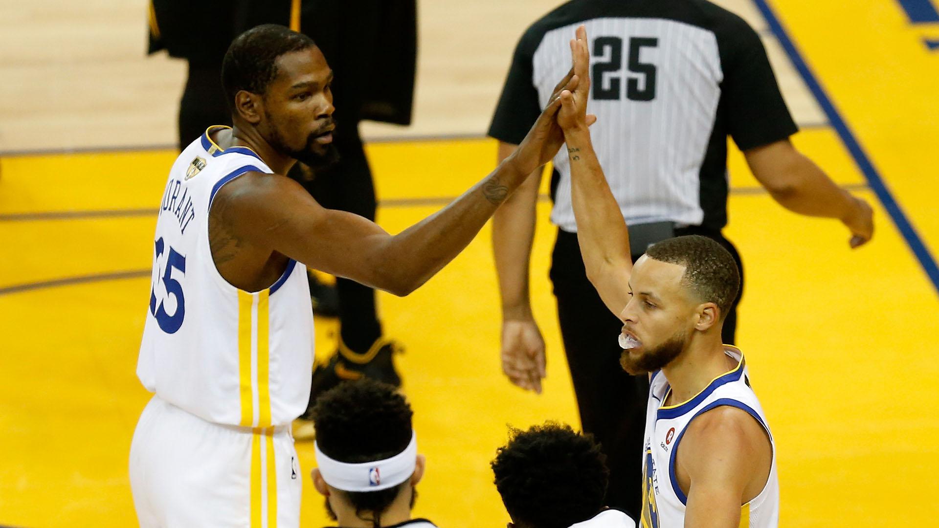 Cómo harán los Warriors para frenar a LeBron James (AFP)