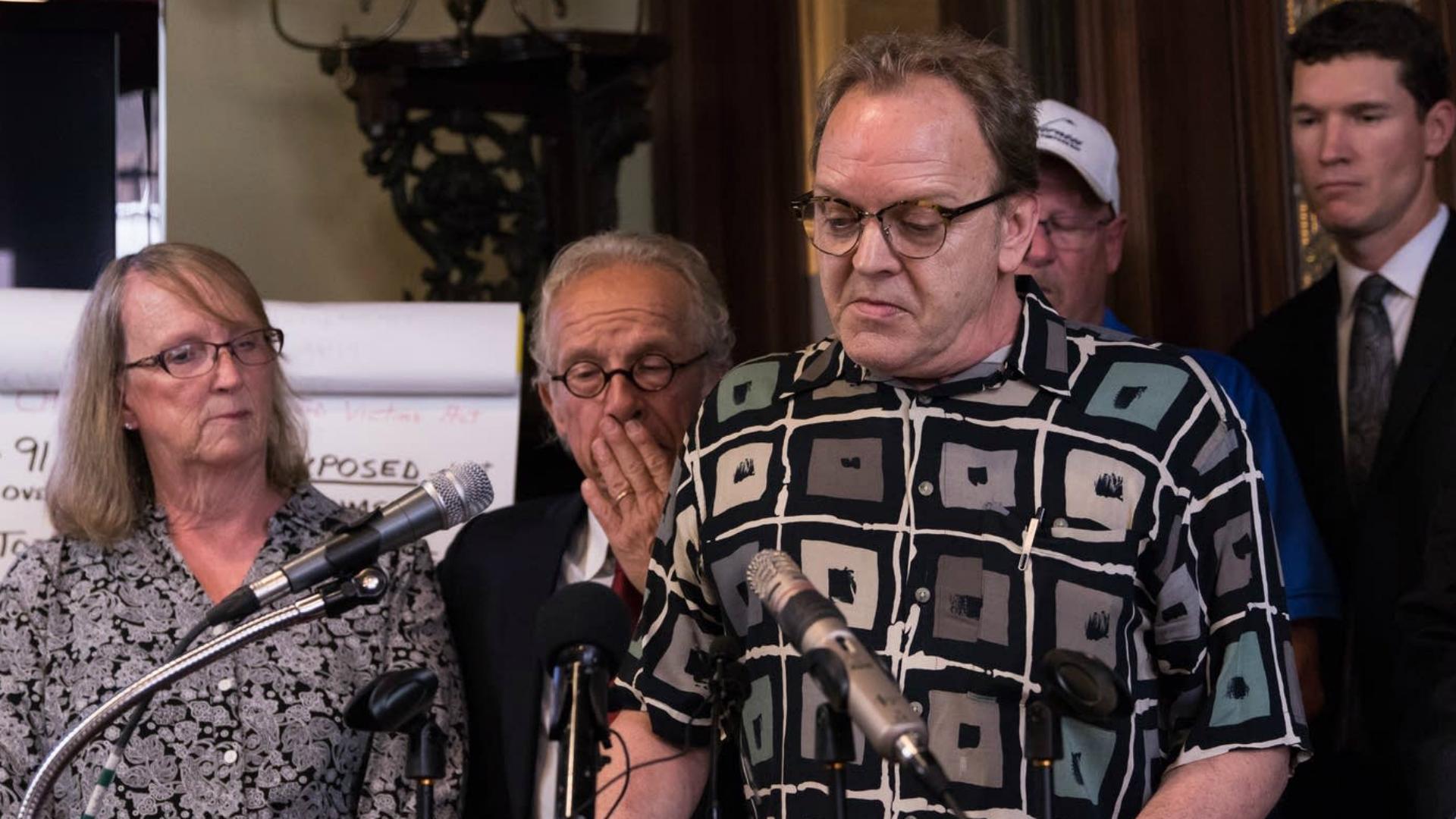 Jamie Heutmaker, una de las víctimas, durante la conferencia de prensa. (Gentileza MPRNews)
